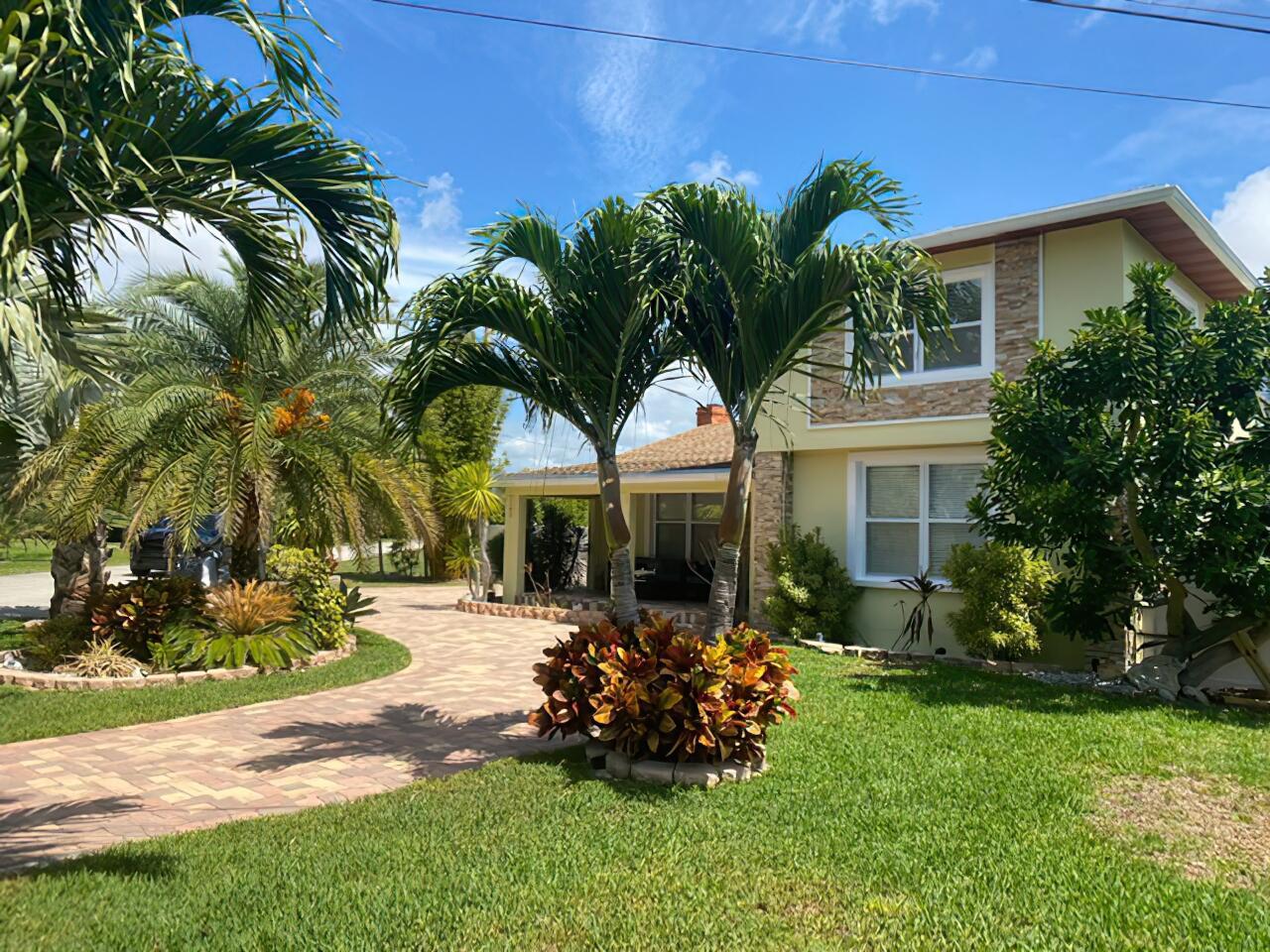 Home for sale in SUBURBAN HOMES Glen Ridge Florida
