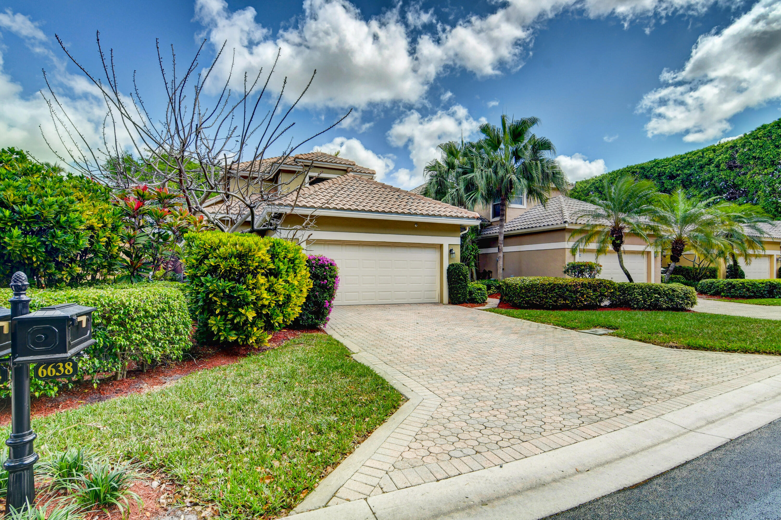 6638 NW 27th Avenue  For Sale 10722140, FL