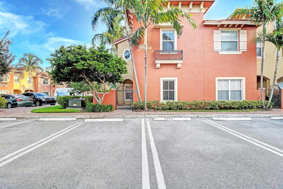 186  Lake Monterey Circle  For Sale 10722203, FL