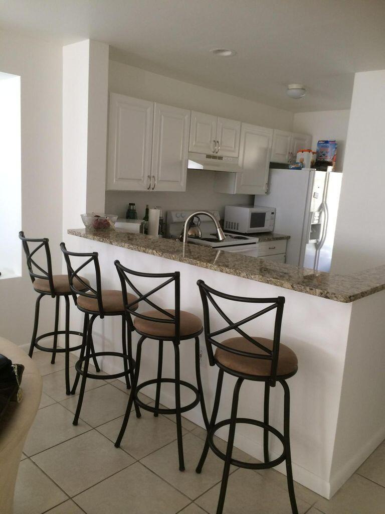 4863  Via Palm Lakes  808 For Sale 10722247, FL