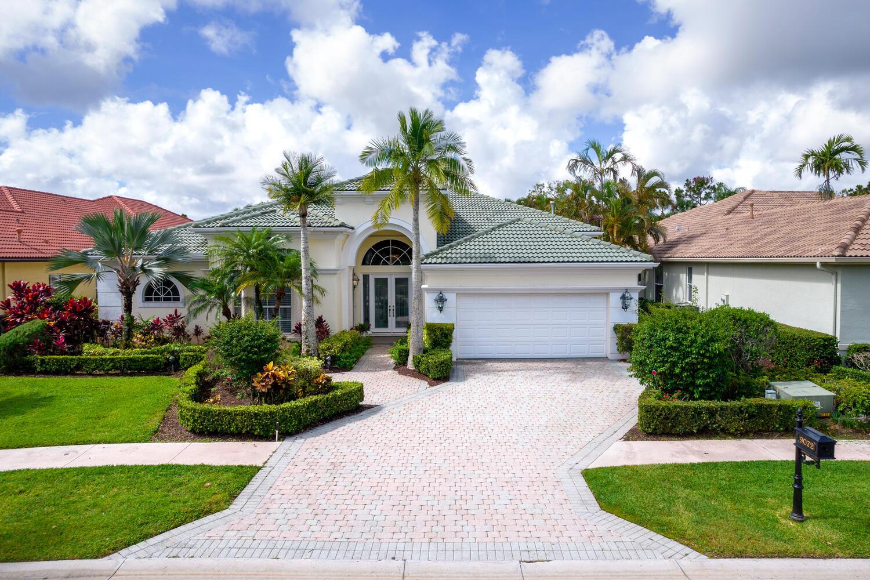 9072  Lakes Boulevard  For Sale 10722261, FL