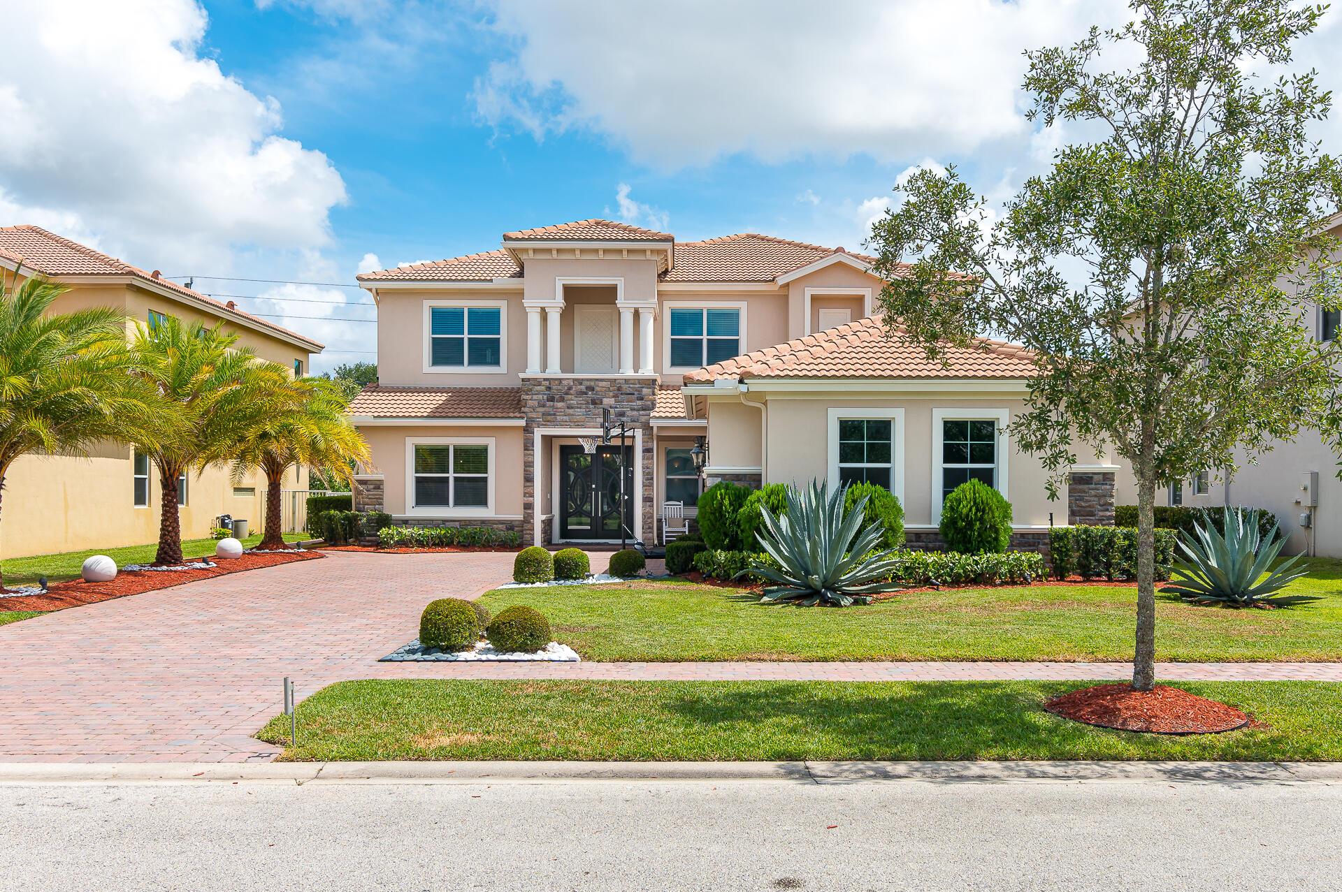 8952  Cypress Grove Lane  For Sale 10722257, FL