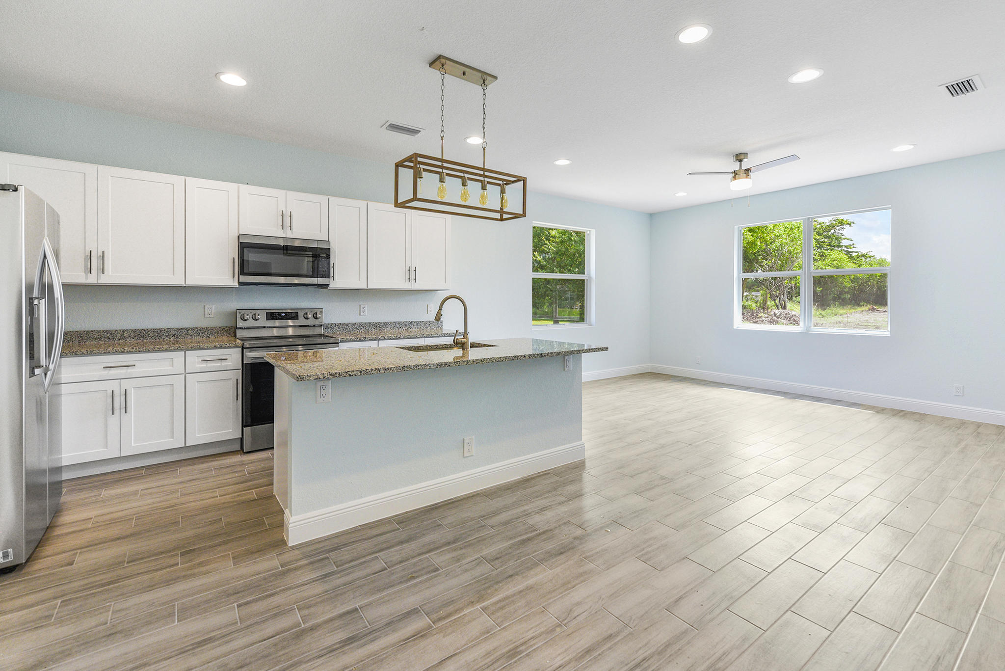 Listing photo id 6 for 3782 Lachine Street Sw