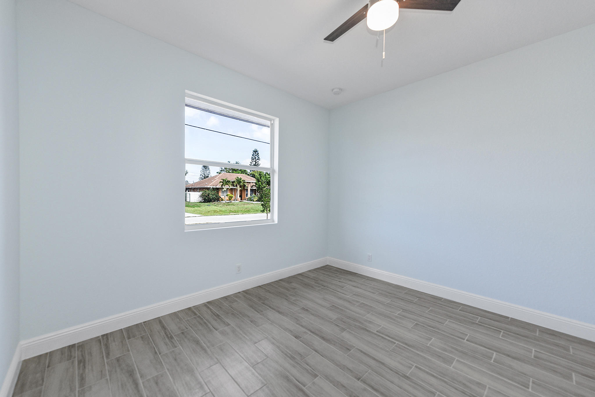 Listing photo id 20 for 3782 Lachine Street Sw
