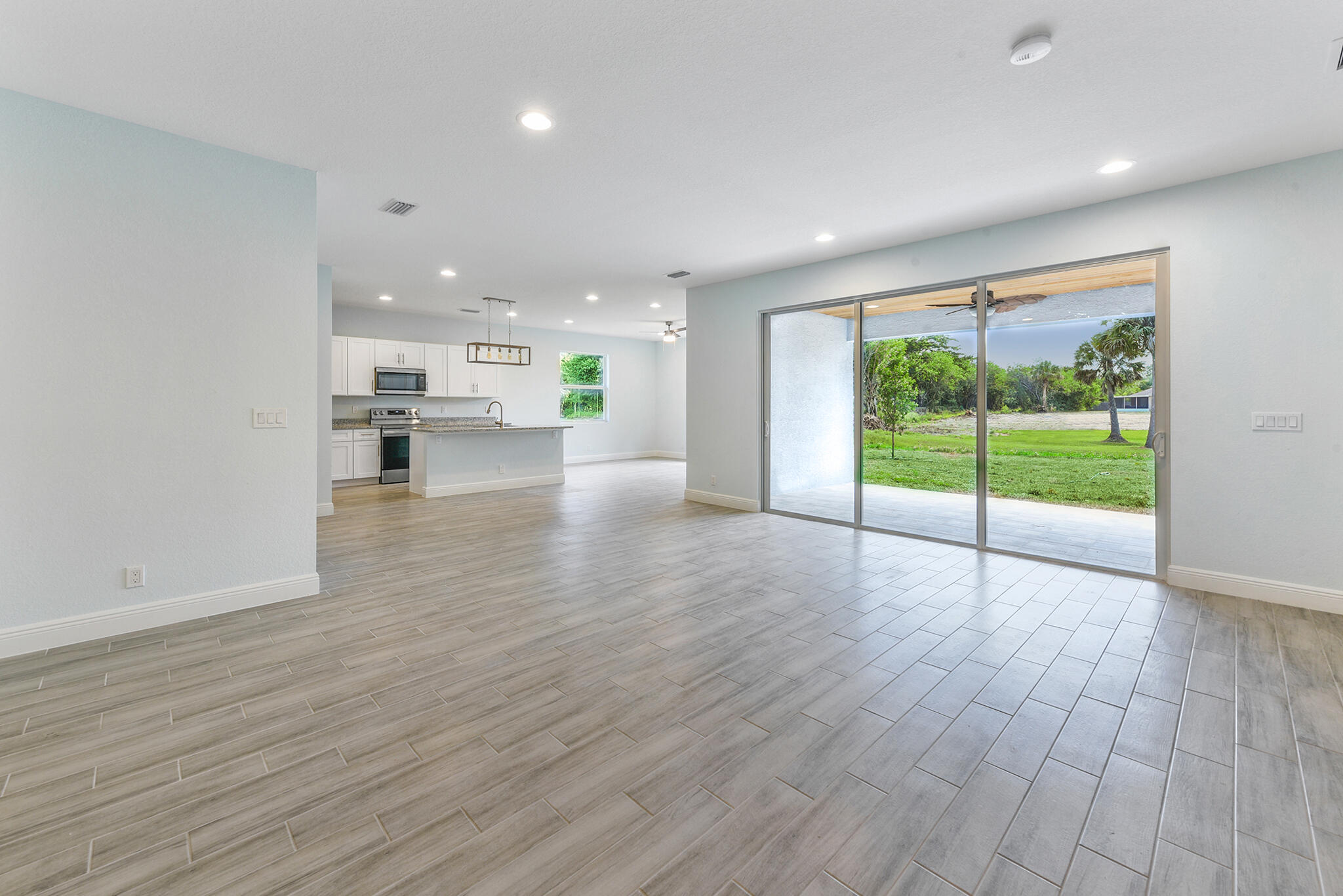 Listing photo id 8 for 3782 Lachine Street Sw