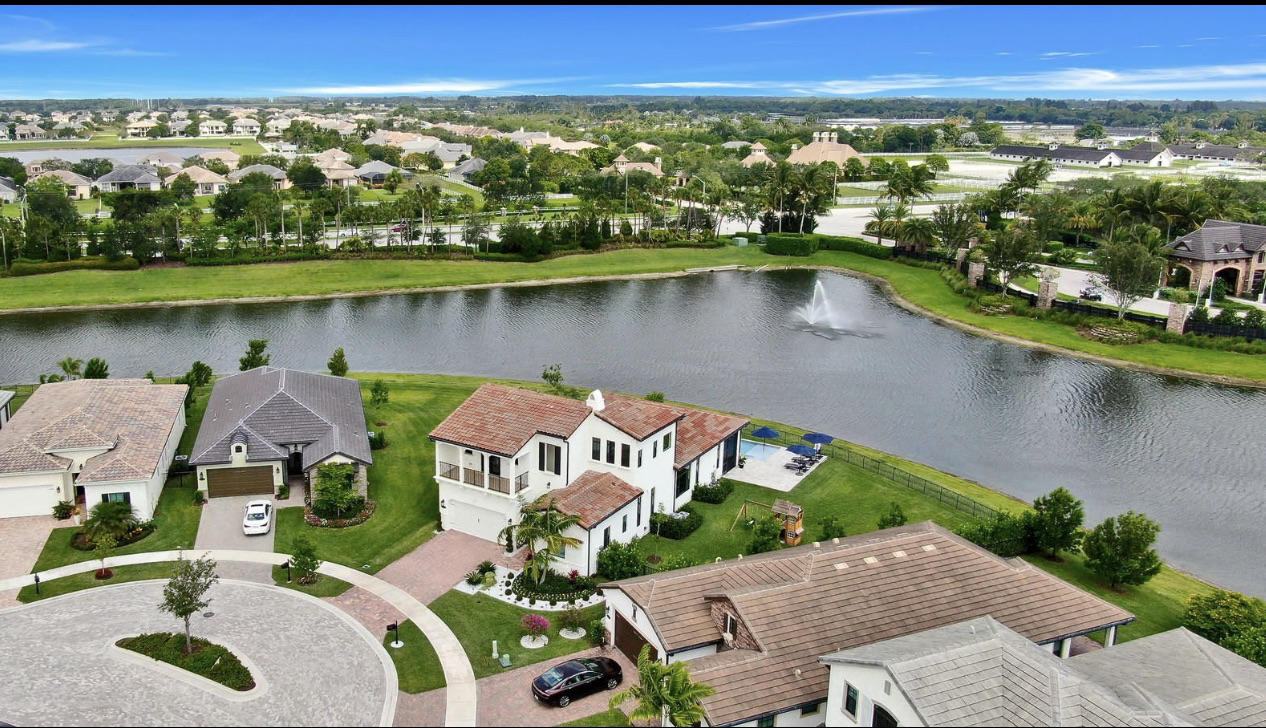 8267  Grand Prix Lane  For Sale 10722492, FL