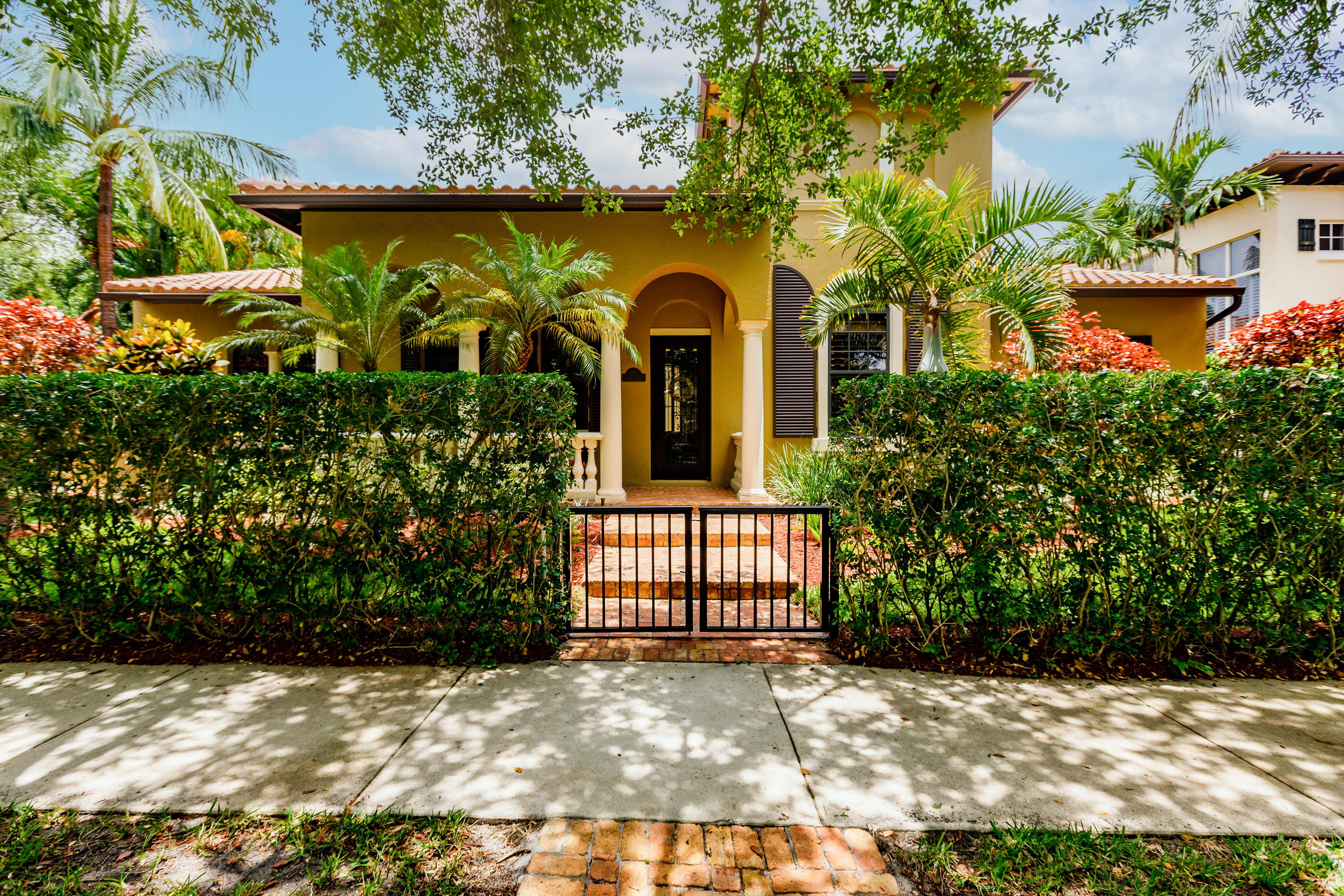Home for sale in Abacoa Valencia Jupiter Florida