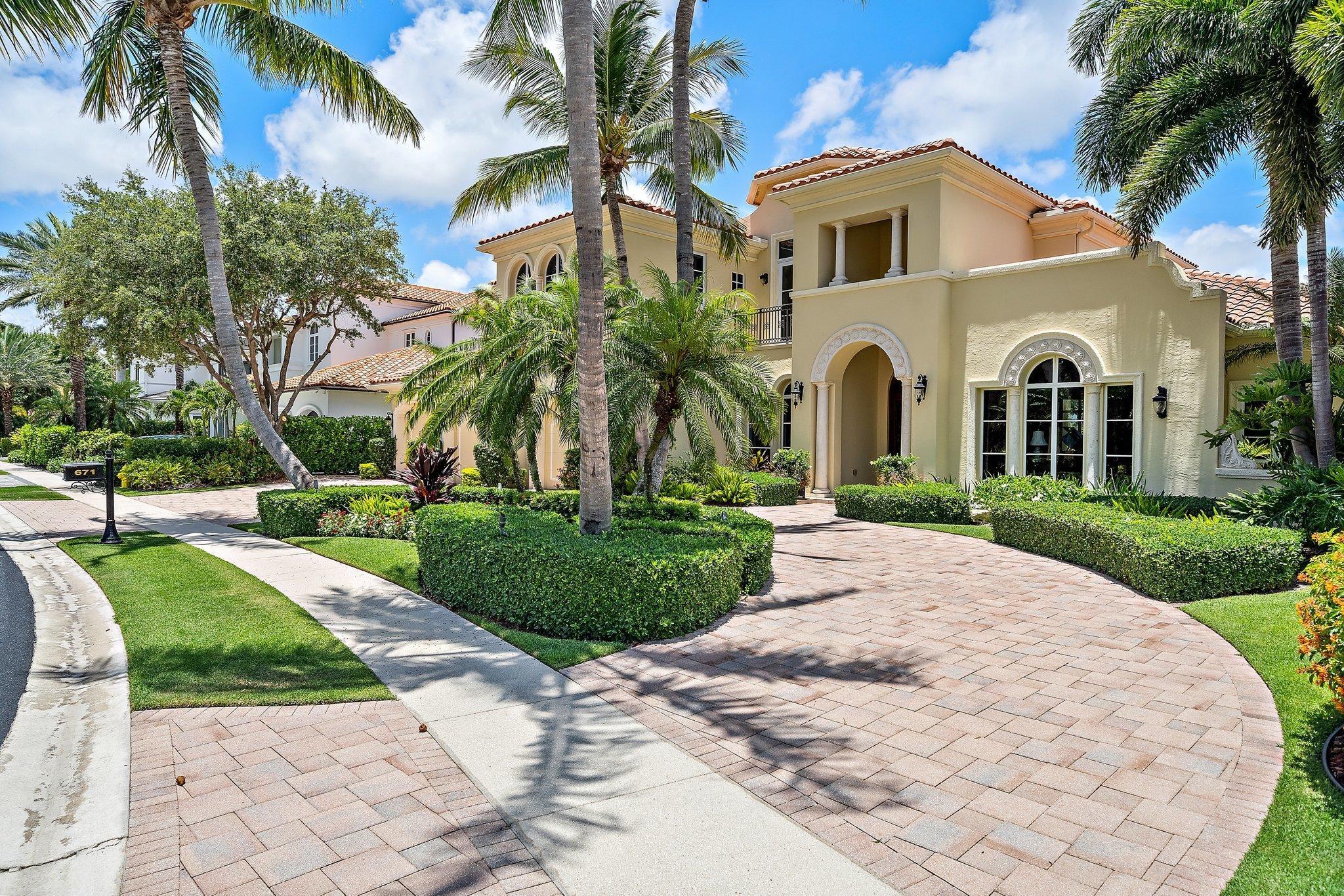 671 Hermitage Circle Palm Beach Gardens, FL 33410 photo 2