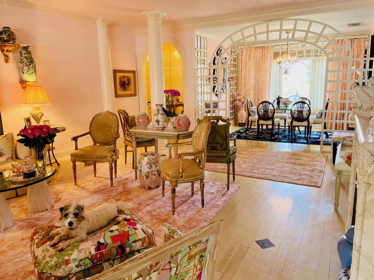 Gracious entertaining spaces, separate laundry, doorman, pool, newly renovated gym, and garage parking in a well managed, Oceanfront building in the heart of town. Walk to the best shopping and restaurants on Worth Ave!Up to 2 dogs are allowed, and there are no weight limitations. This is the perfect Palm Beach Pied-a-Terre!