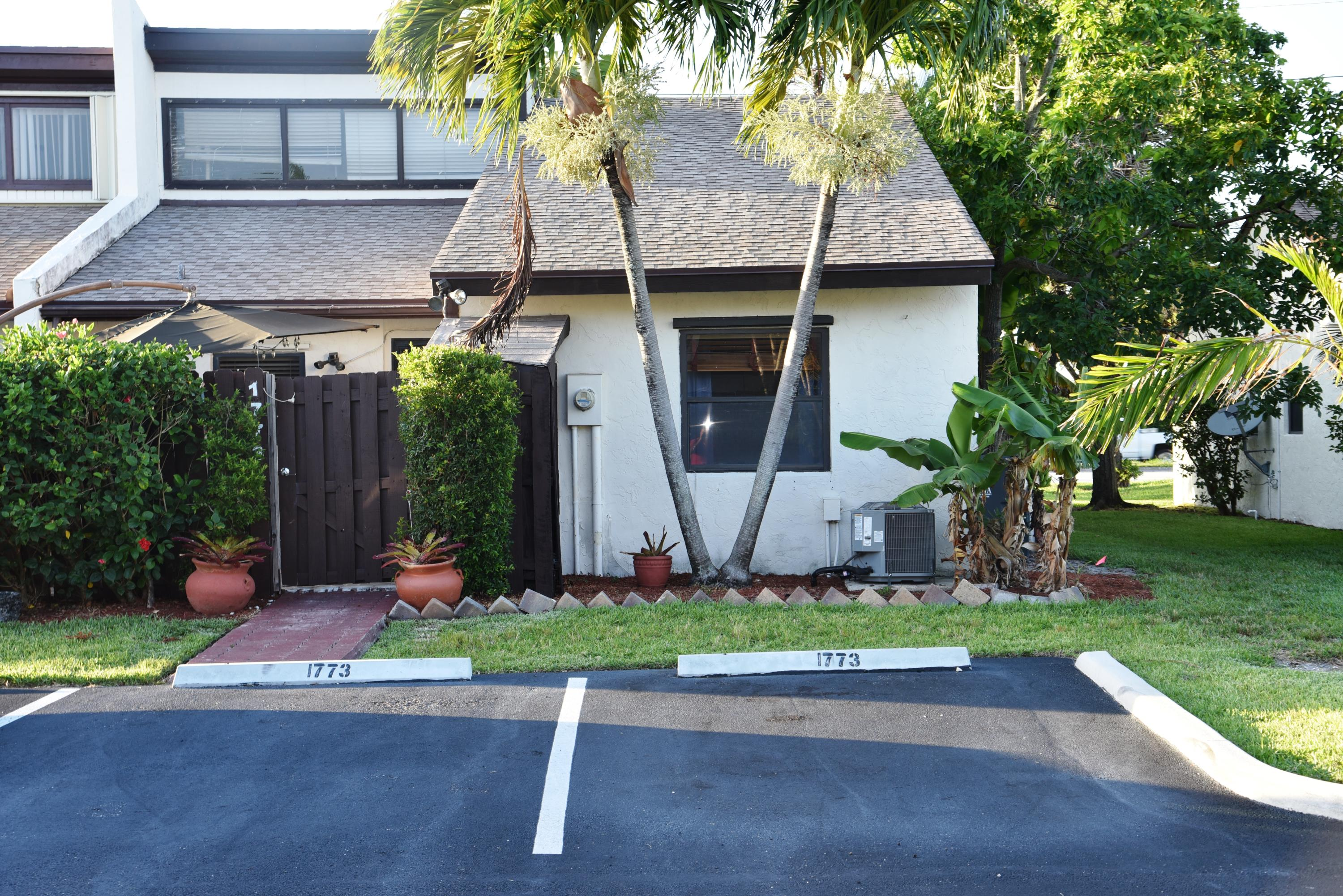 1773  Abbey Road  For Sale 10700285, FL