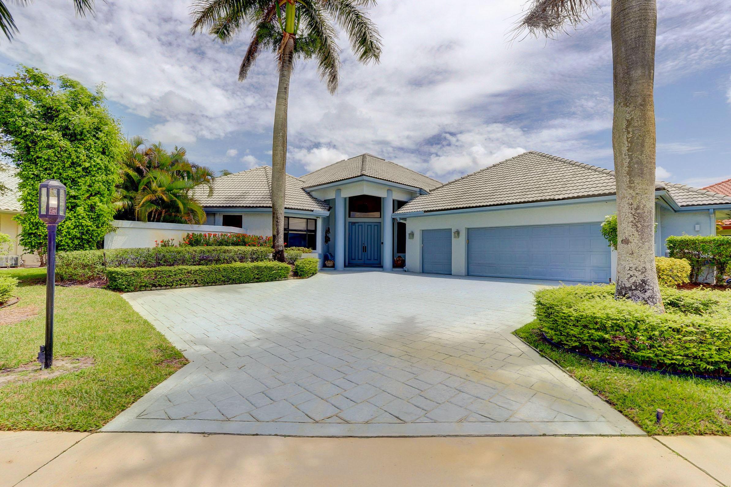 10743  Stonebridge Boulevard  For Sale 10722993, FL