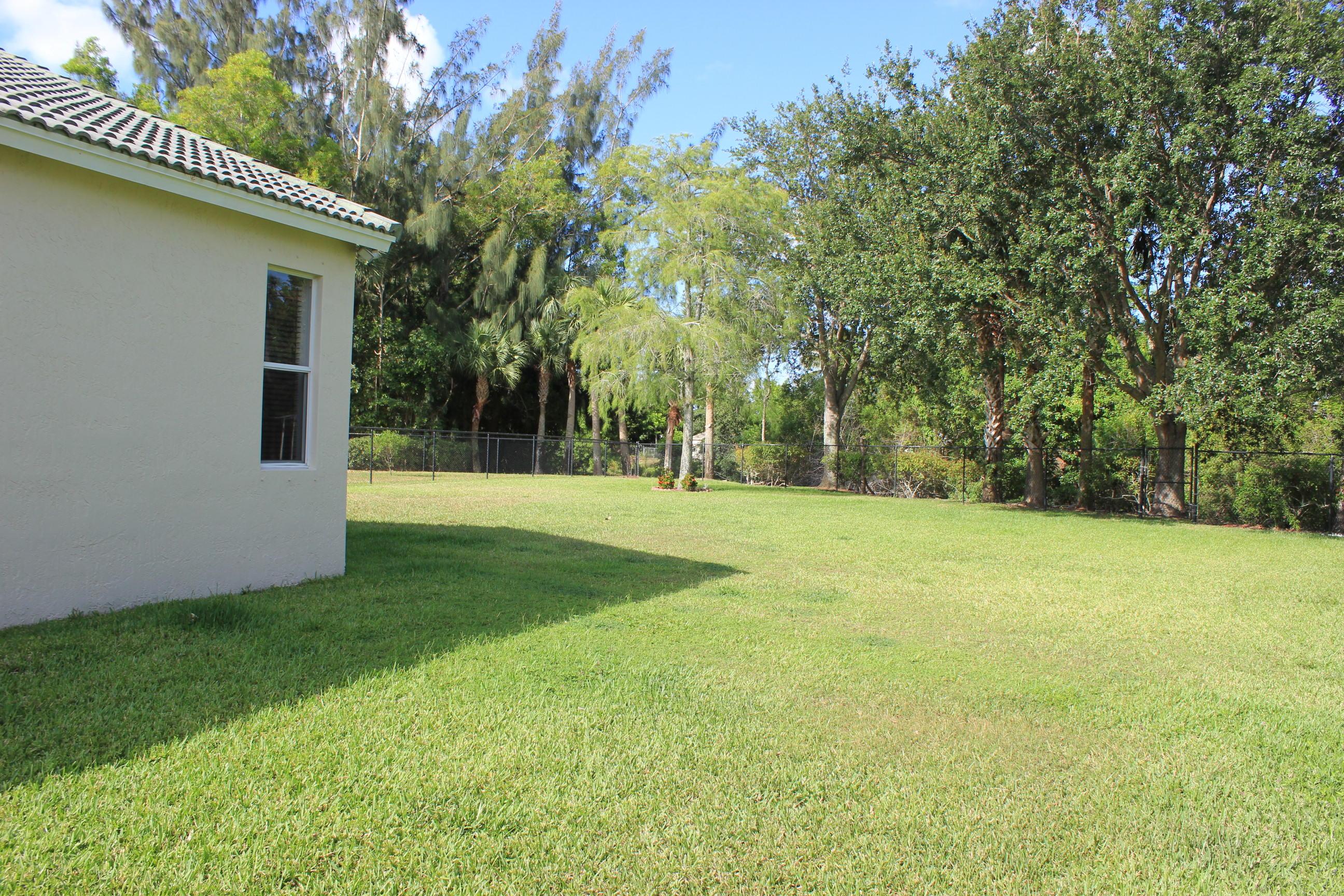 180 Seminole Lakes Drive Royal Palm Beach, FL 33411 photo 3