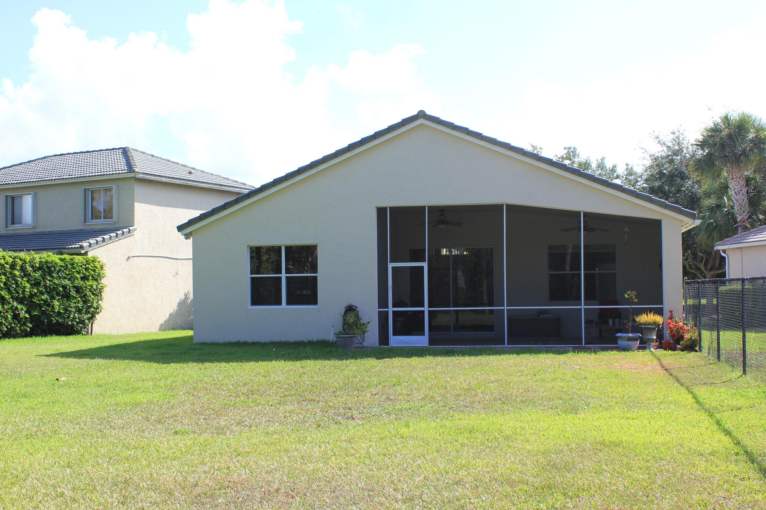 180 Seminole Lakes Drive Royal Palm Beach, FL 33411 photo 7