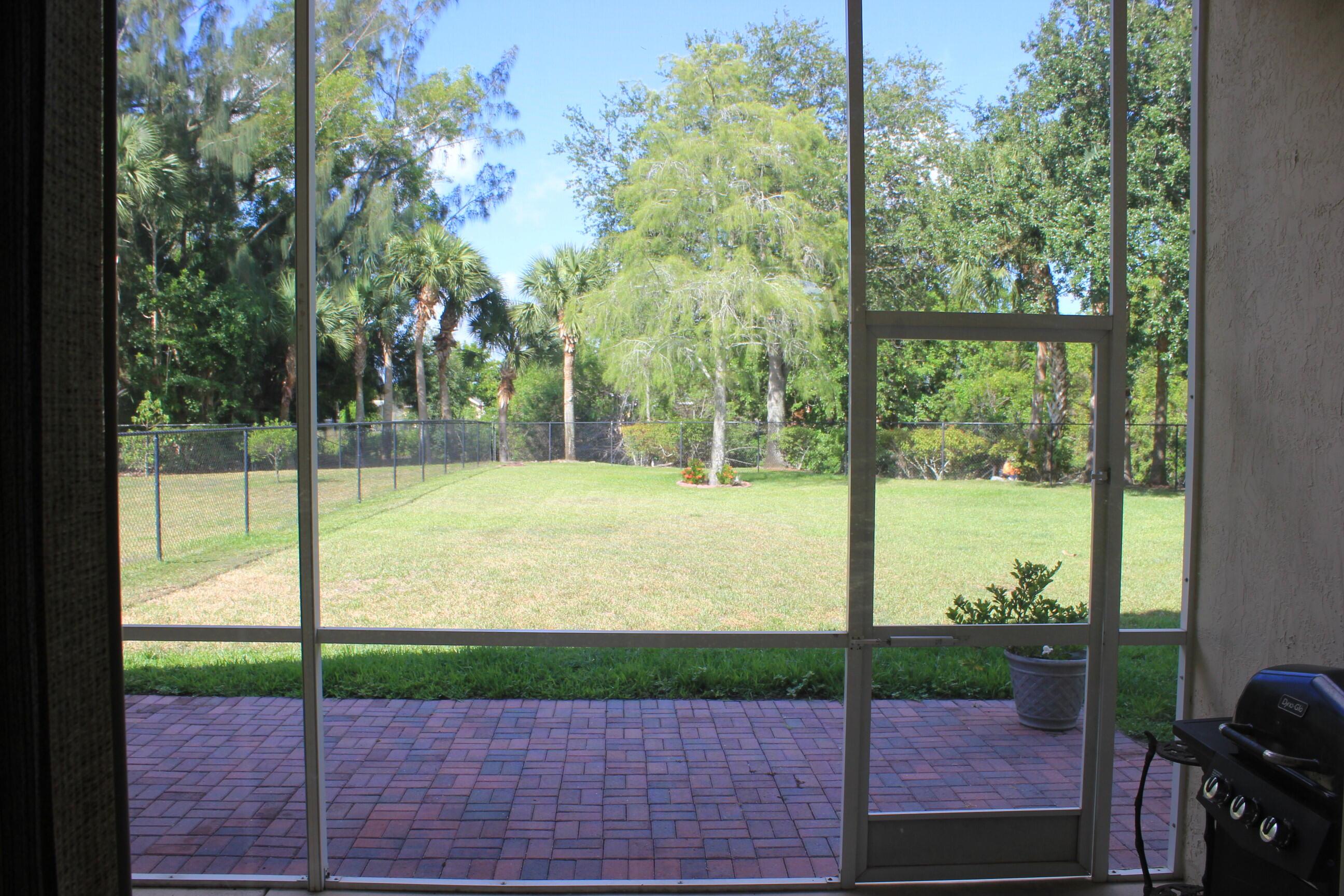 180 Seminole Lakes Drive Royal Palm Beach, FL 33411 photo 13