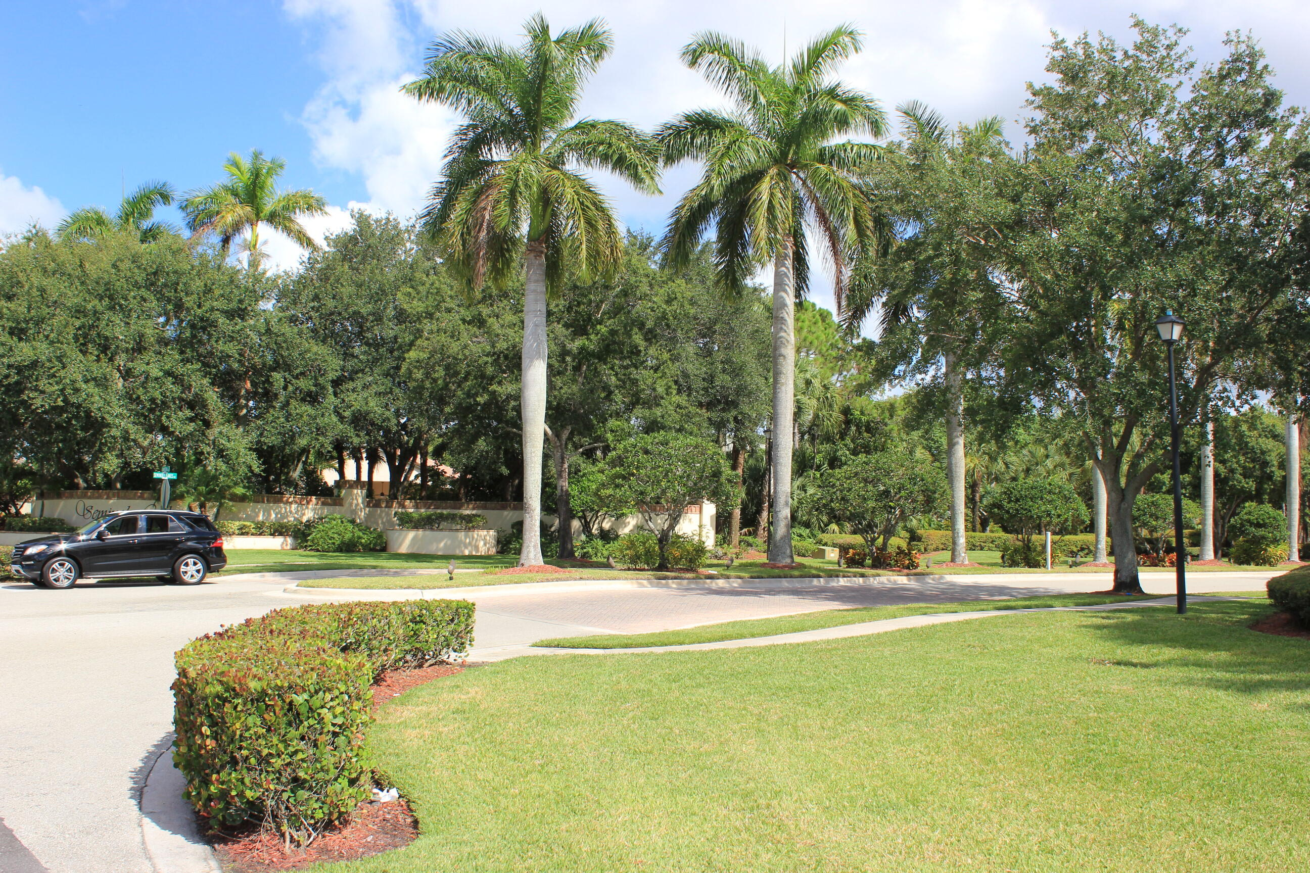 180 Seminole Lakes Drive Royal Palm Beach, FL 33411 photo 24