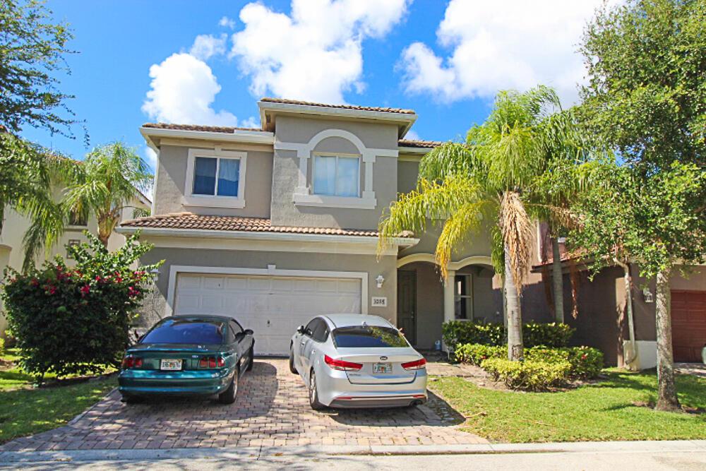 1098  Center Stone Lane  For Sale 10721735, FL