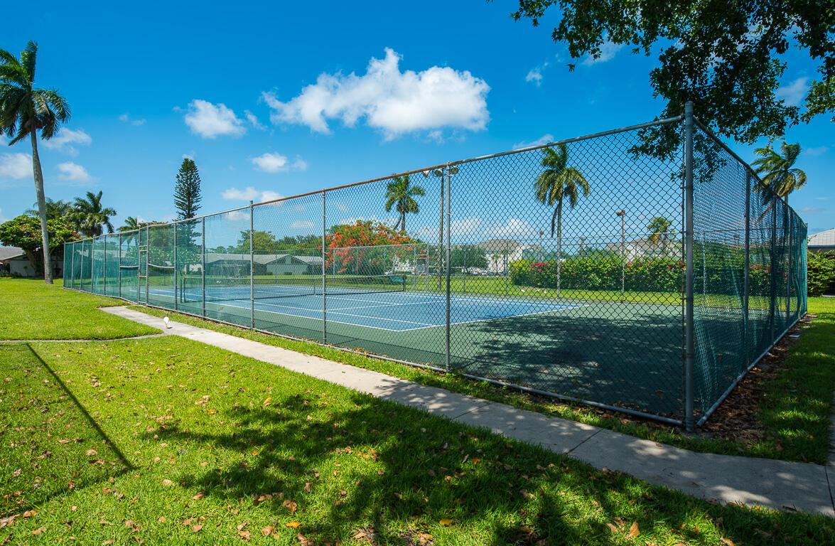 1310 Summit Run Circle West Palm Beach, FL 33415 photo 39