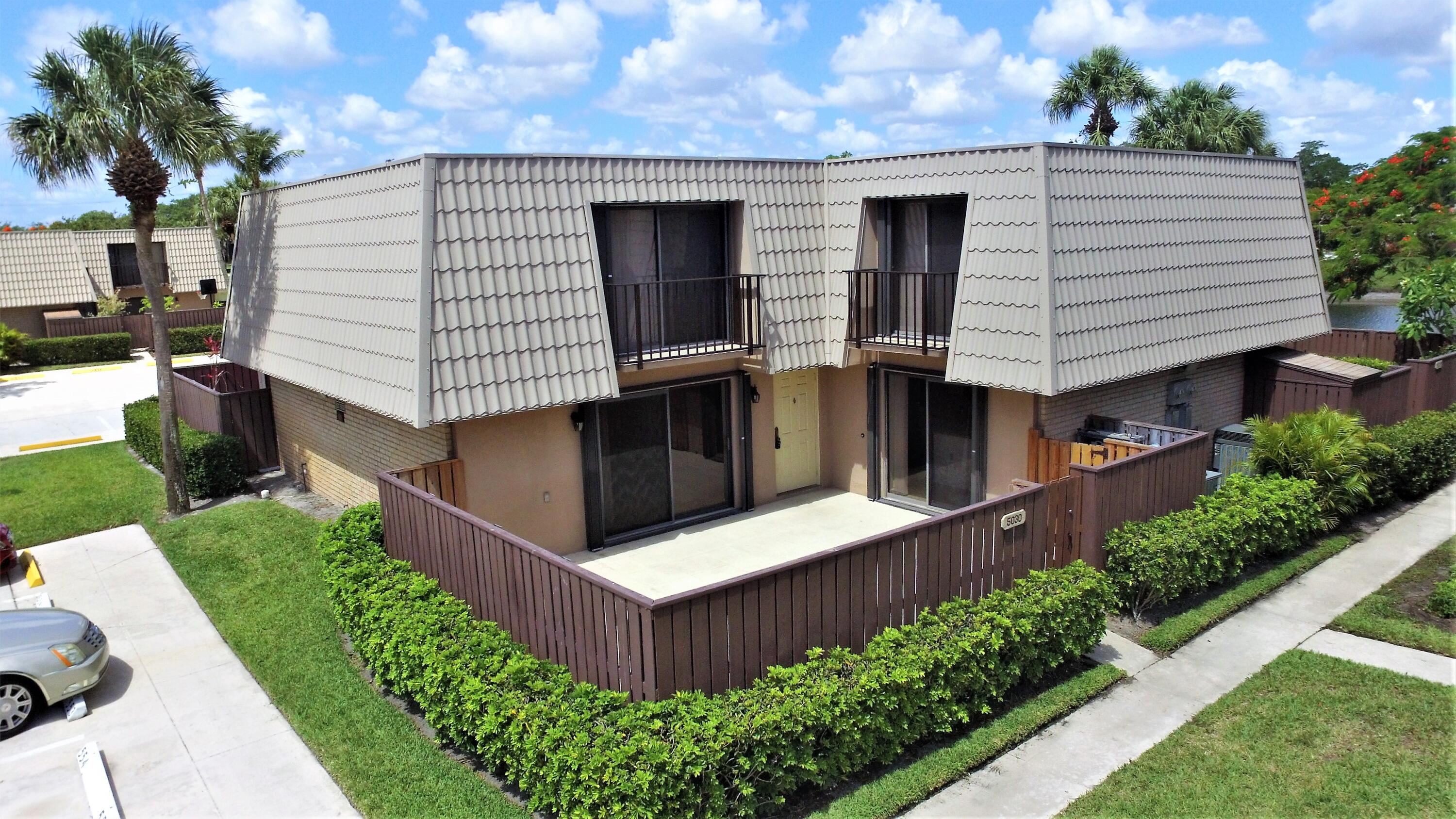 5030  50th Way  For Sale 10722742, FL