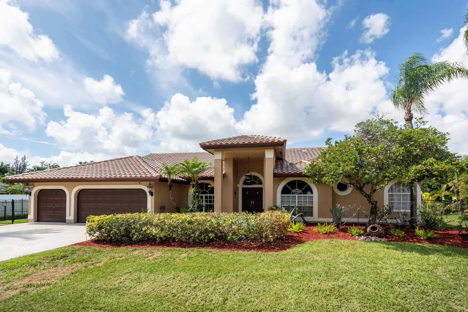 14463 SW 16th Court  For Sale 10722897, FL