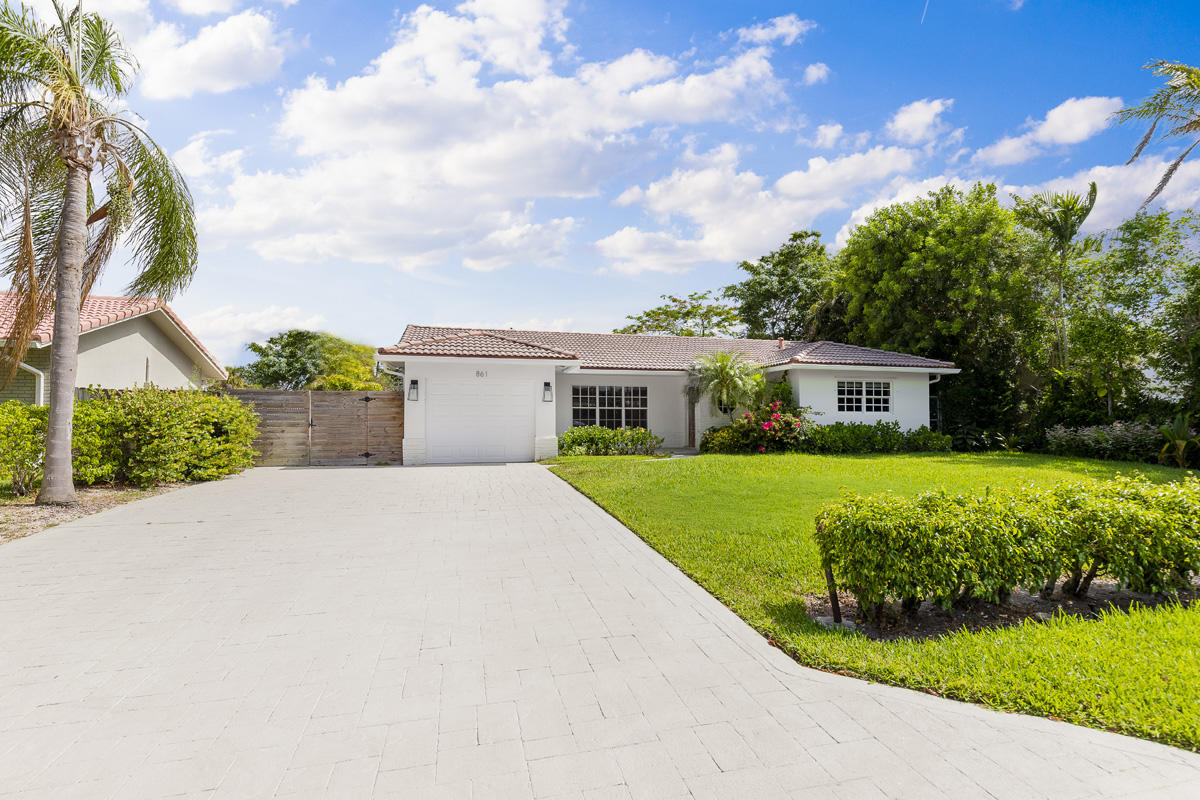 861 NW 7th Street  For Sale 10721286, FL