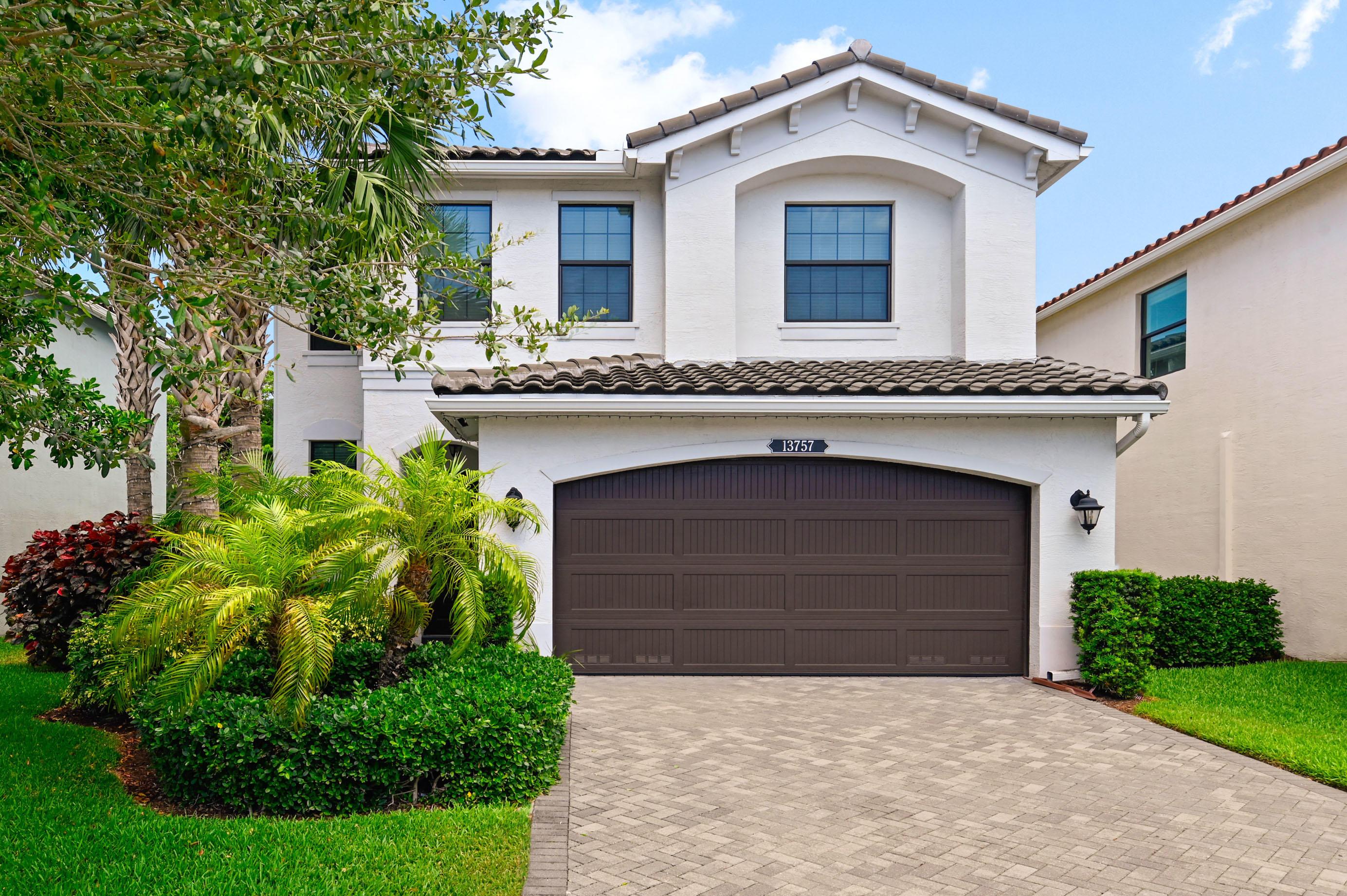 13757  Moss Agate Avenue  For Sale 10722879, FL