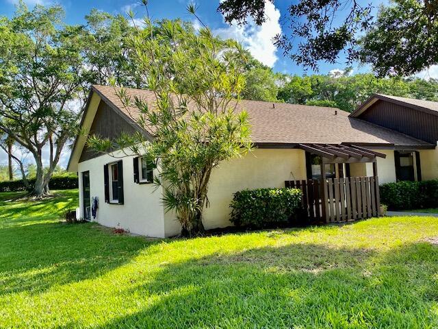 109 Via De Casas Norte Boynton Beach, FL 33426 photo 3