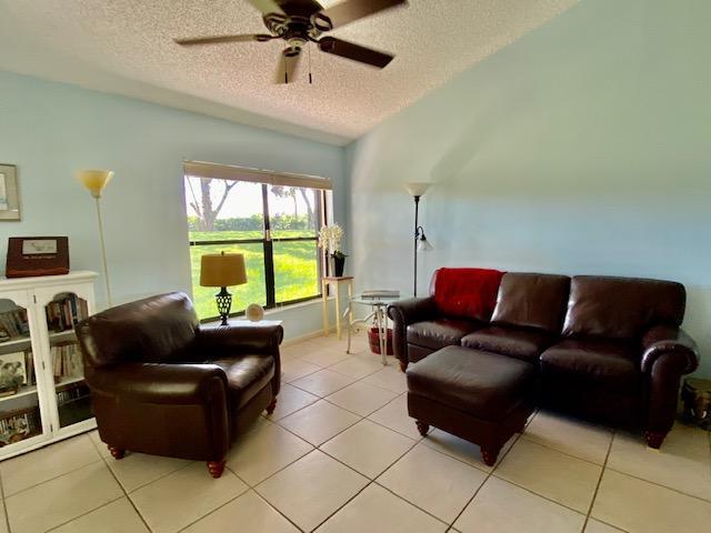109 Via De Casas Norte Boynton Beach, FL 33426 photo 4
