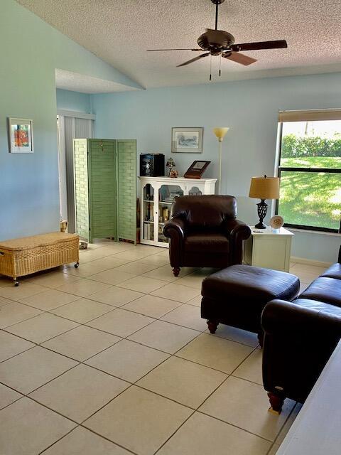 109 Via De Casas Norte Boynton Beach, FL 33426 photo 5