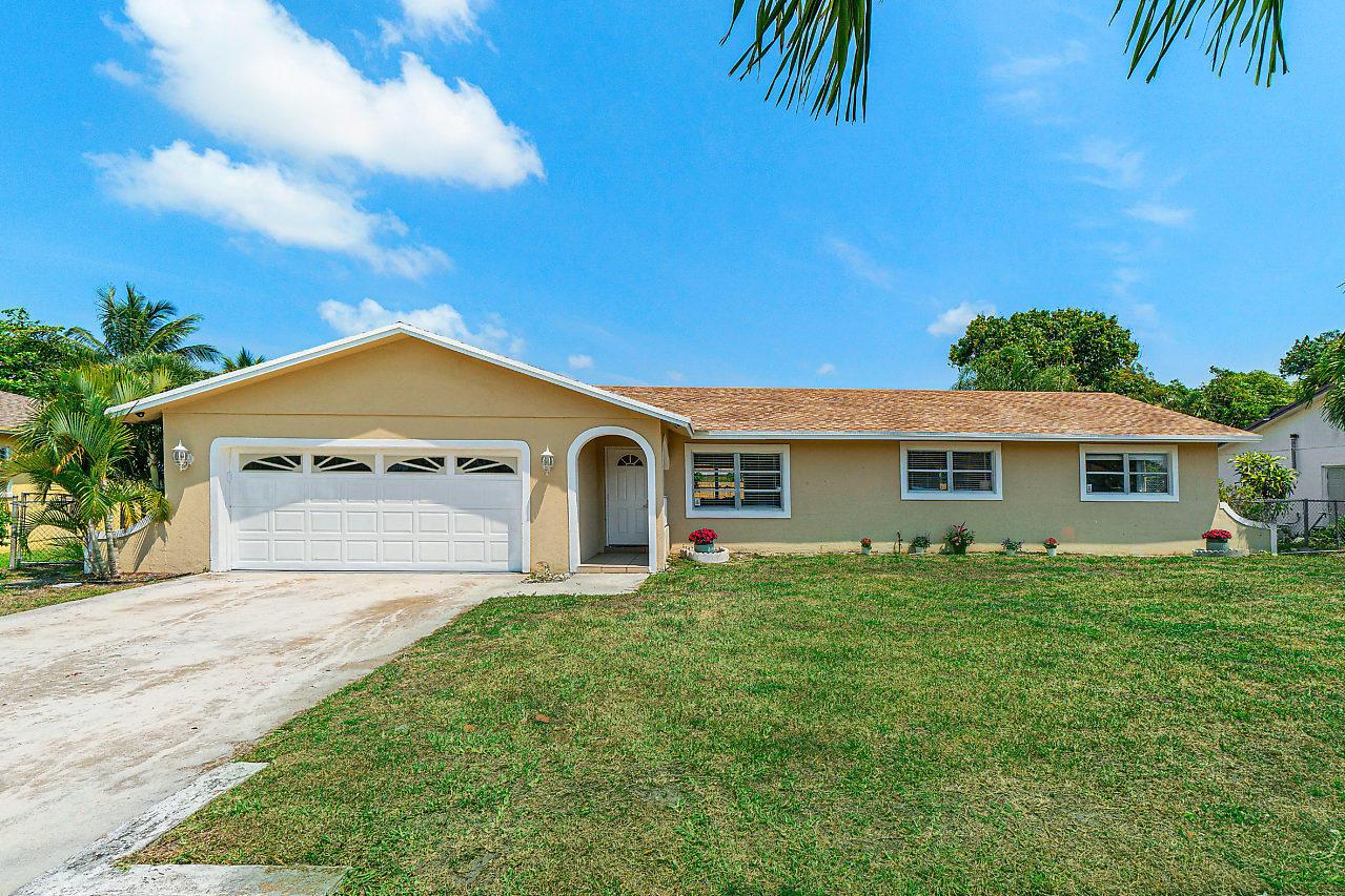 2941 Angler Drive Delray Beach, FL 33445 photo 2