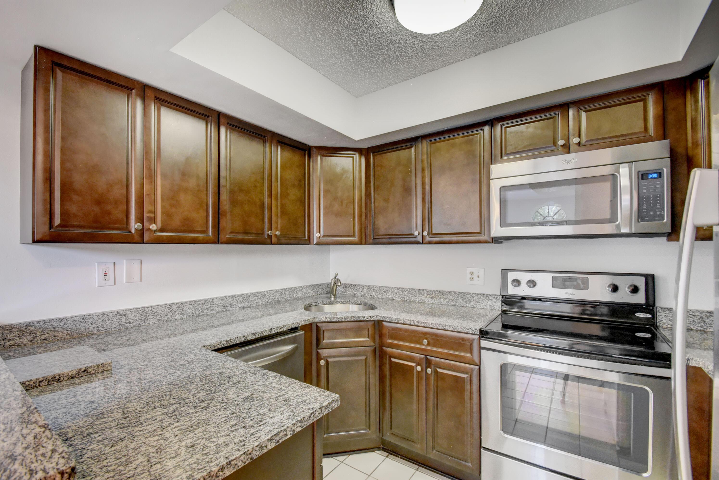 3900  Village Drive C For Sale 10722981, FL
