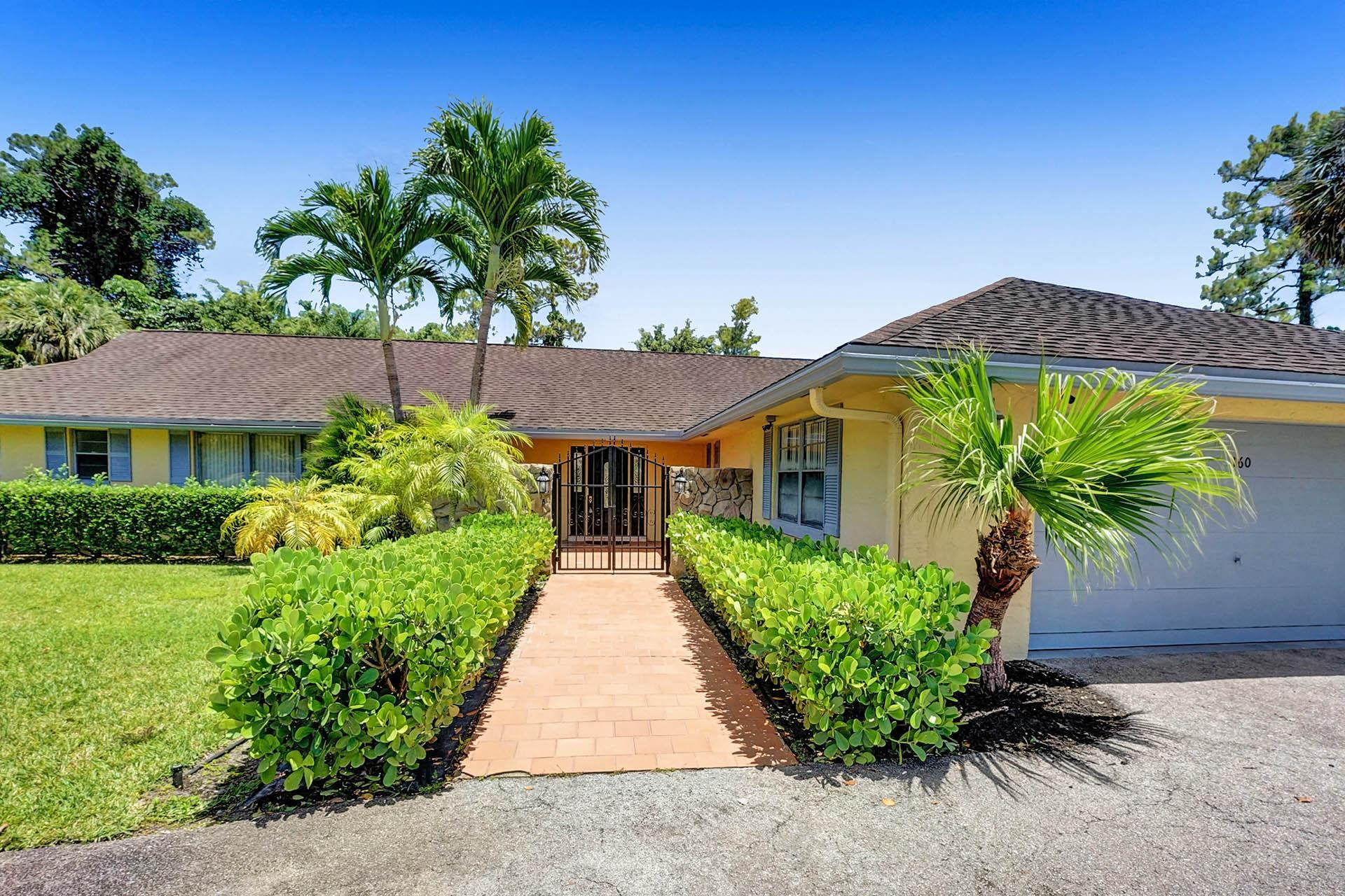 160  Forester Court  For Sale 10722987, FL