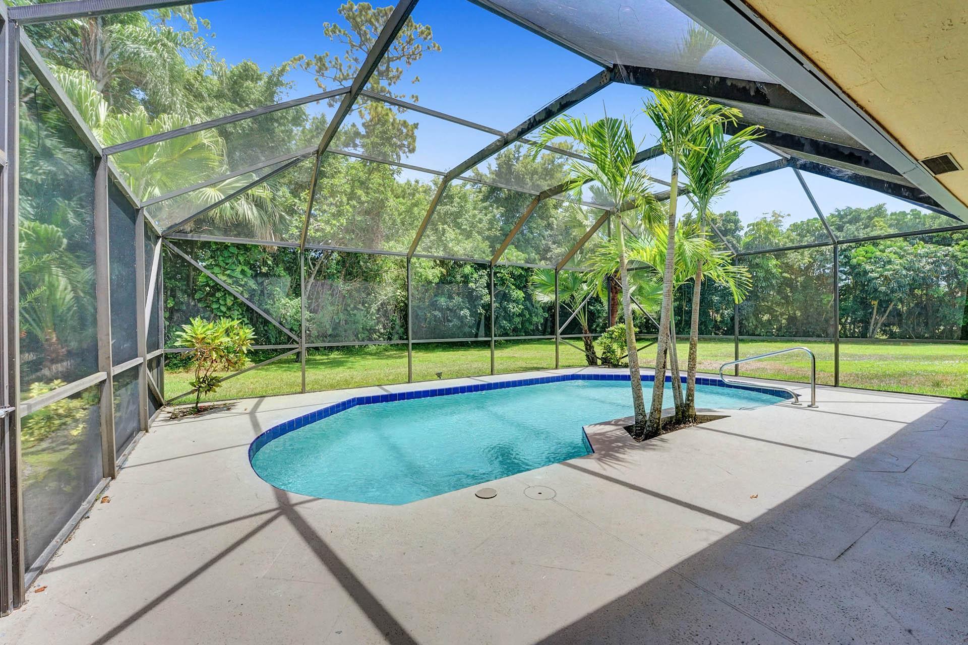 160 Forester Court Wellington, FL 33414 photo 2