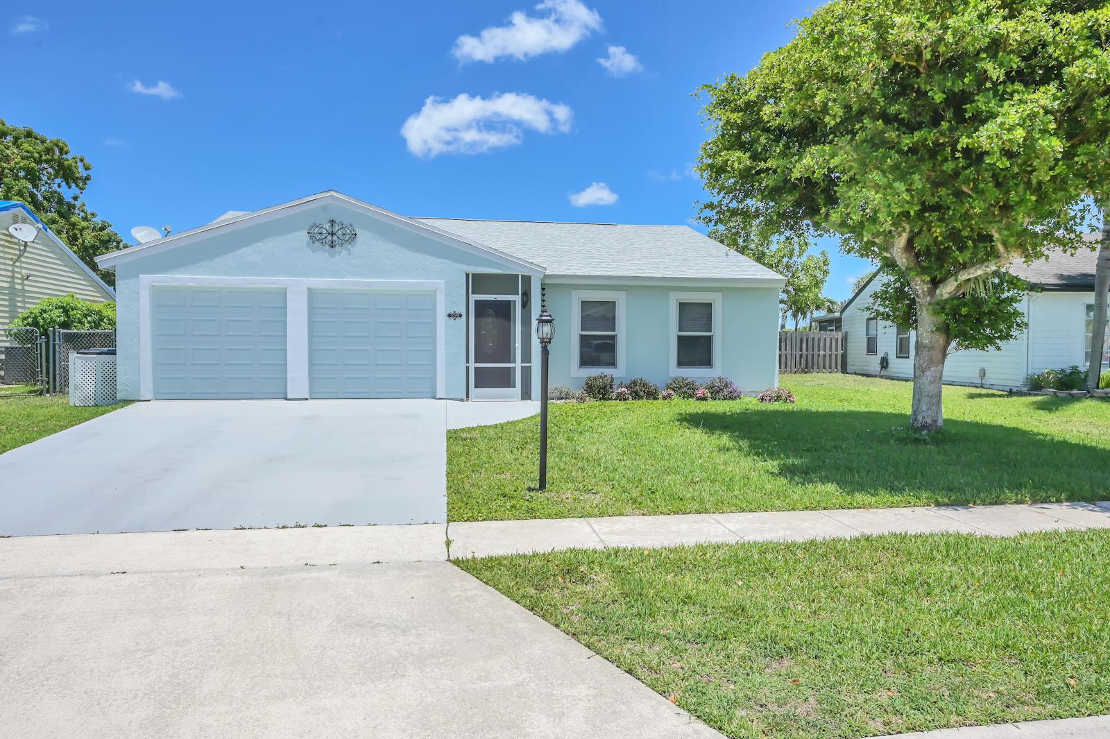 5270 Harwood Lane Lake Worth, FL 33467