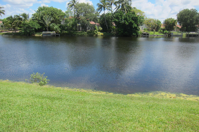 12725 Kingsway Road Wellington, FL 33414 photo 3