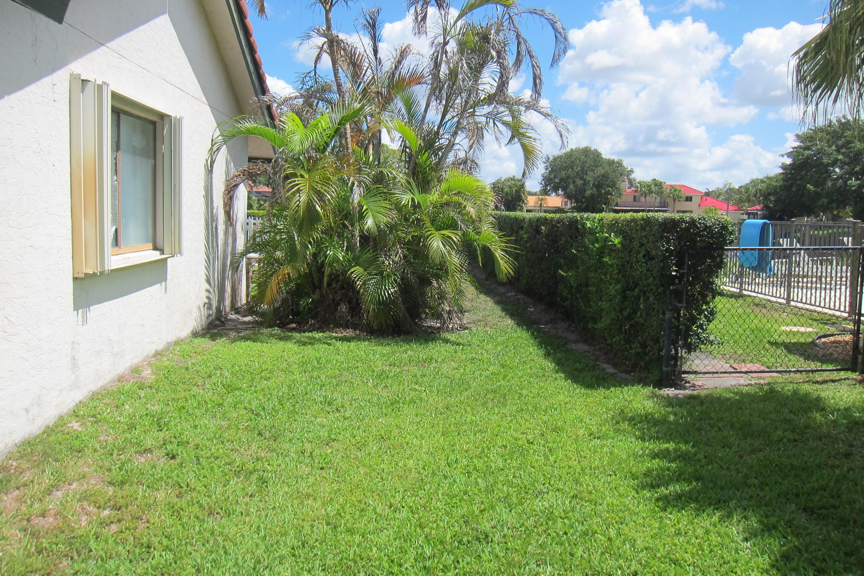12725 Kingsway Road Wellington, FL 33414 photo 22