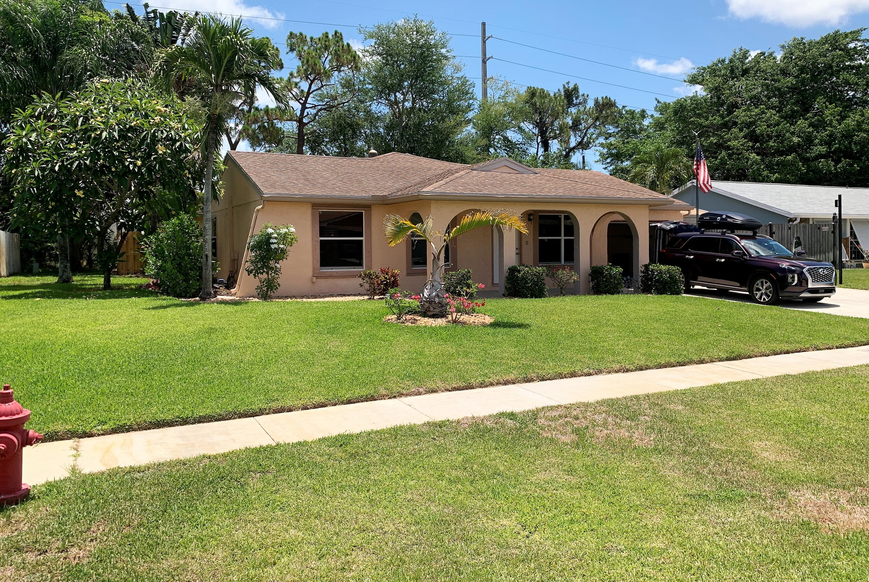8236  Little Beth Drive  For Sale 10723162, FL