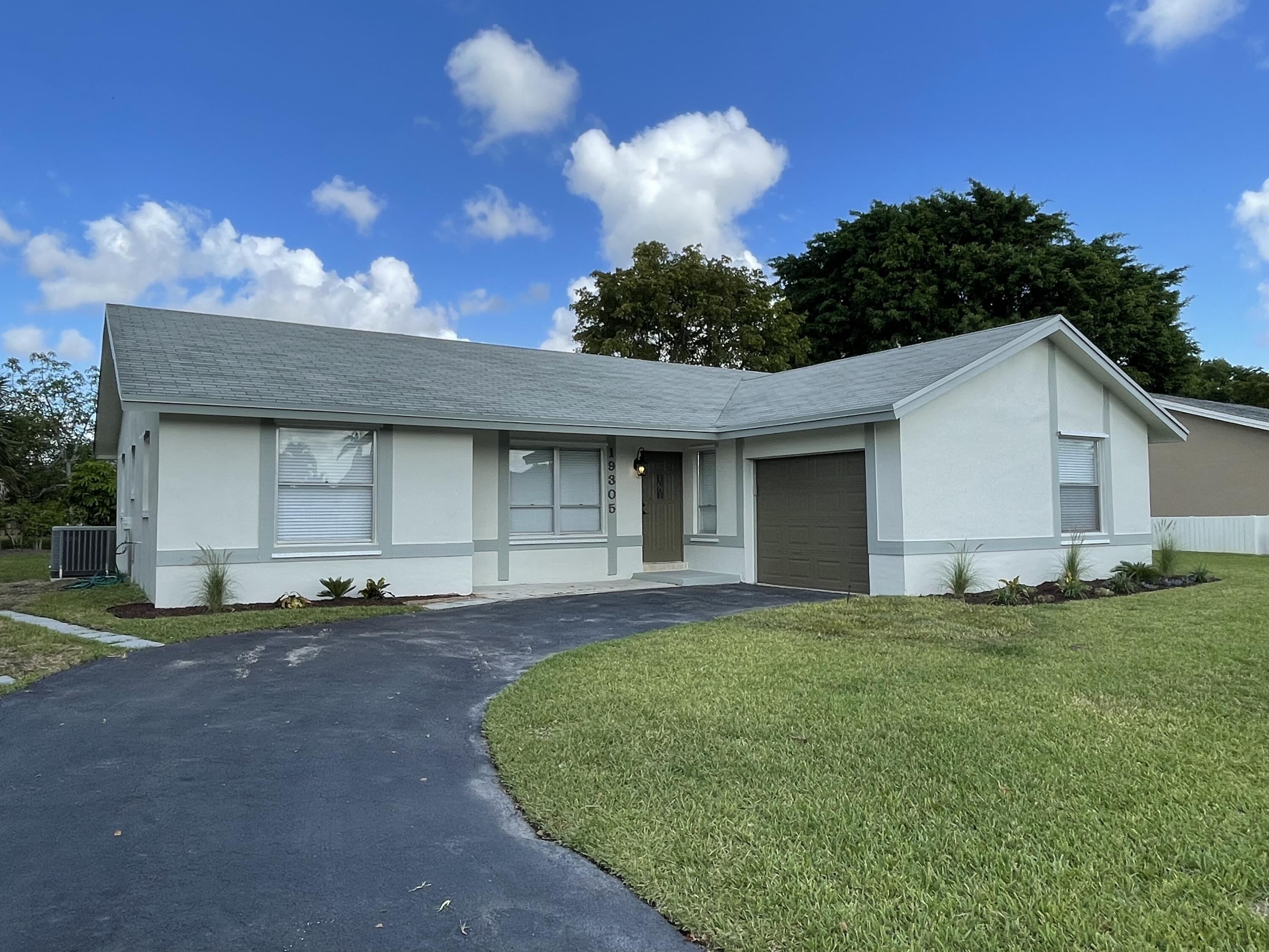 19305  Liberty Road  For Sale 10722825, FL
