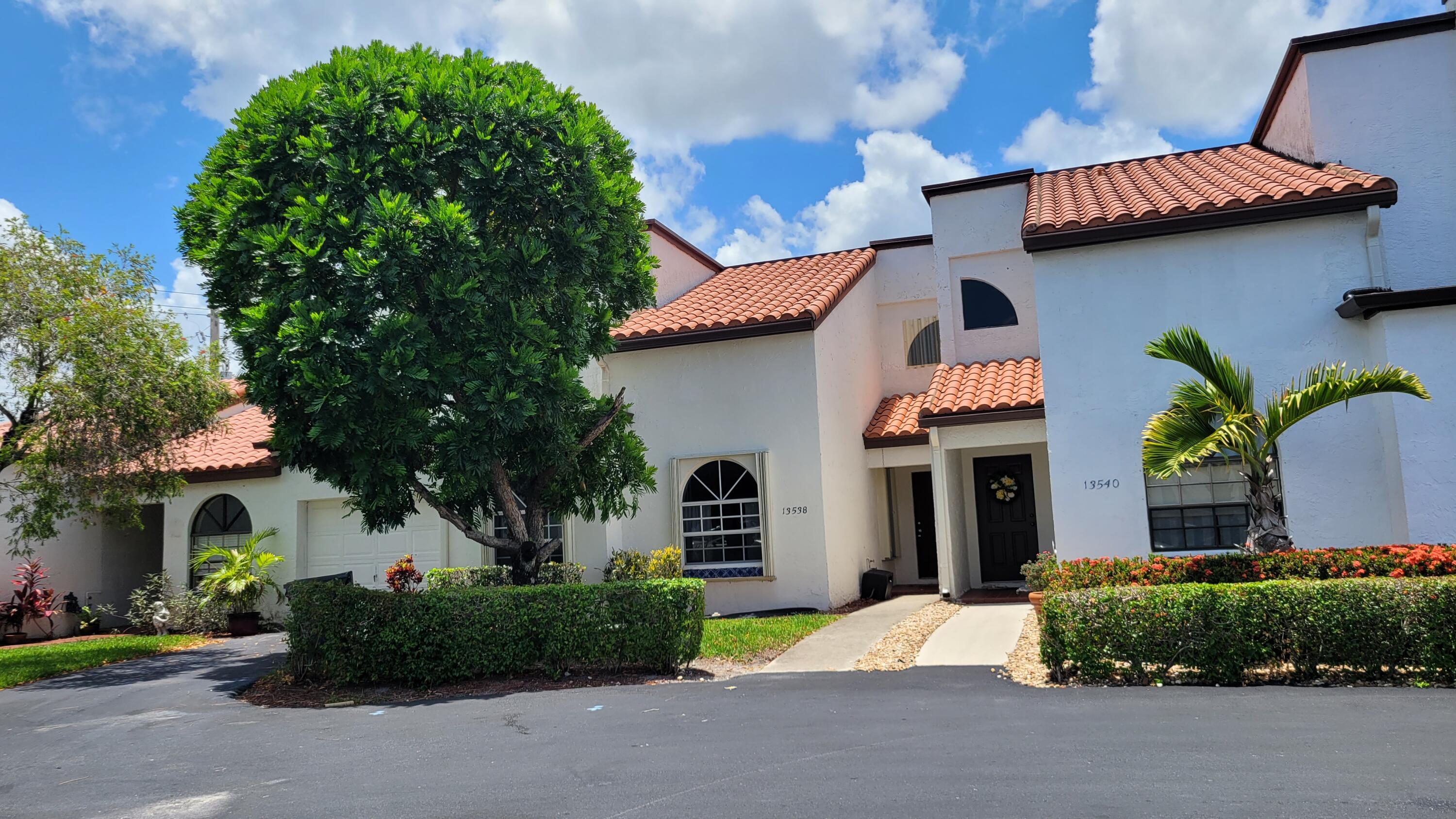 13538  Fountain View Boulevard  For Sale 10721979, FL