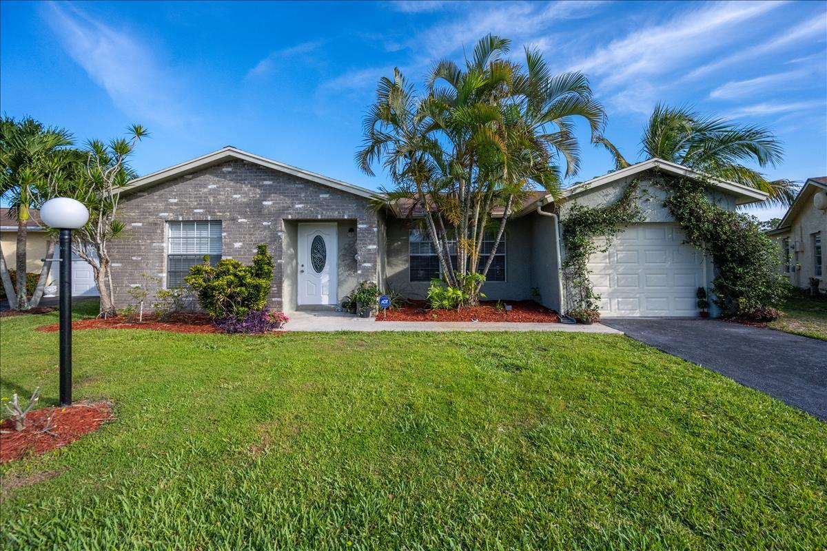 Home for sale in LUCERNE LAKES HOMES VILLAGE I 2ND ADD AS Lake Worth Florida