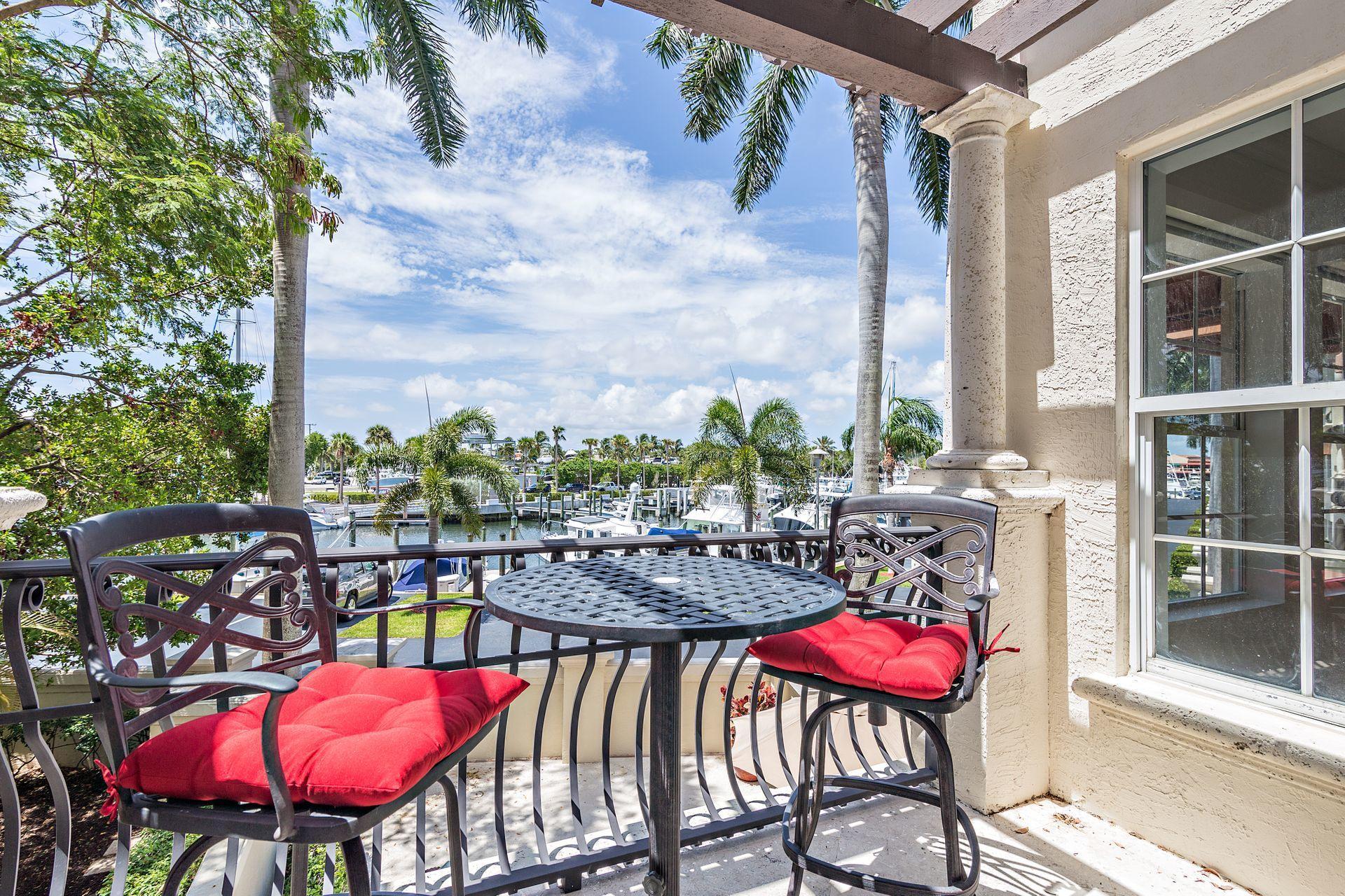27  Marina Gardens Drive  For Sale 10690203, FL