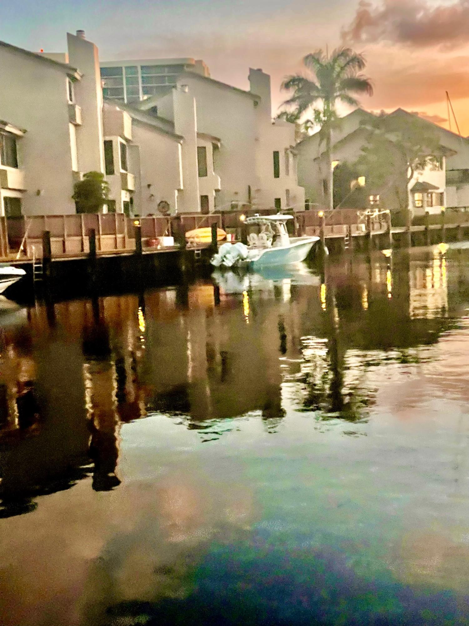 1129  Boca Cove Lane  For Sale 10723392, FL
