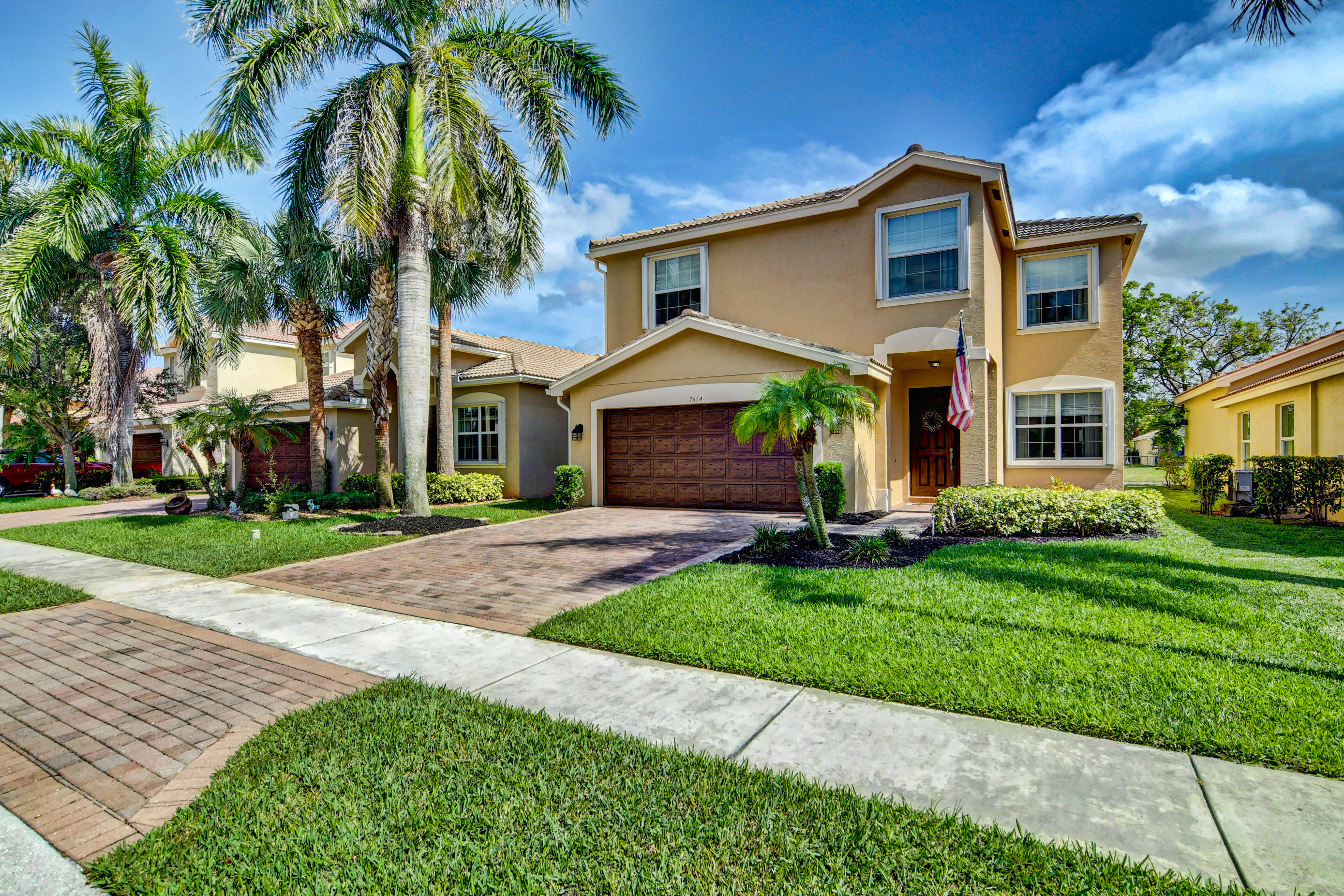 7654  Jewelwood Drive  For Sale 10723480, FL