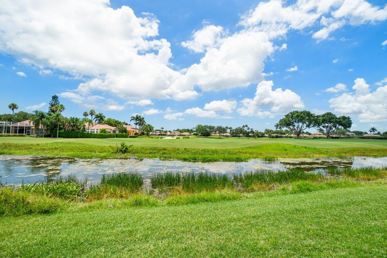 8296  Heritage Club Drive  For Sale 10723390, FL