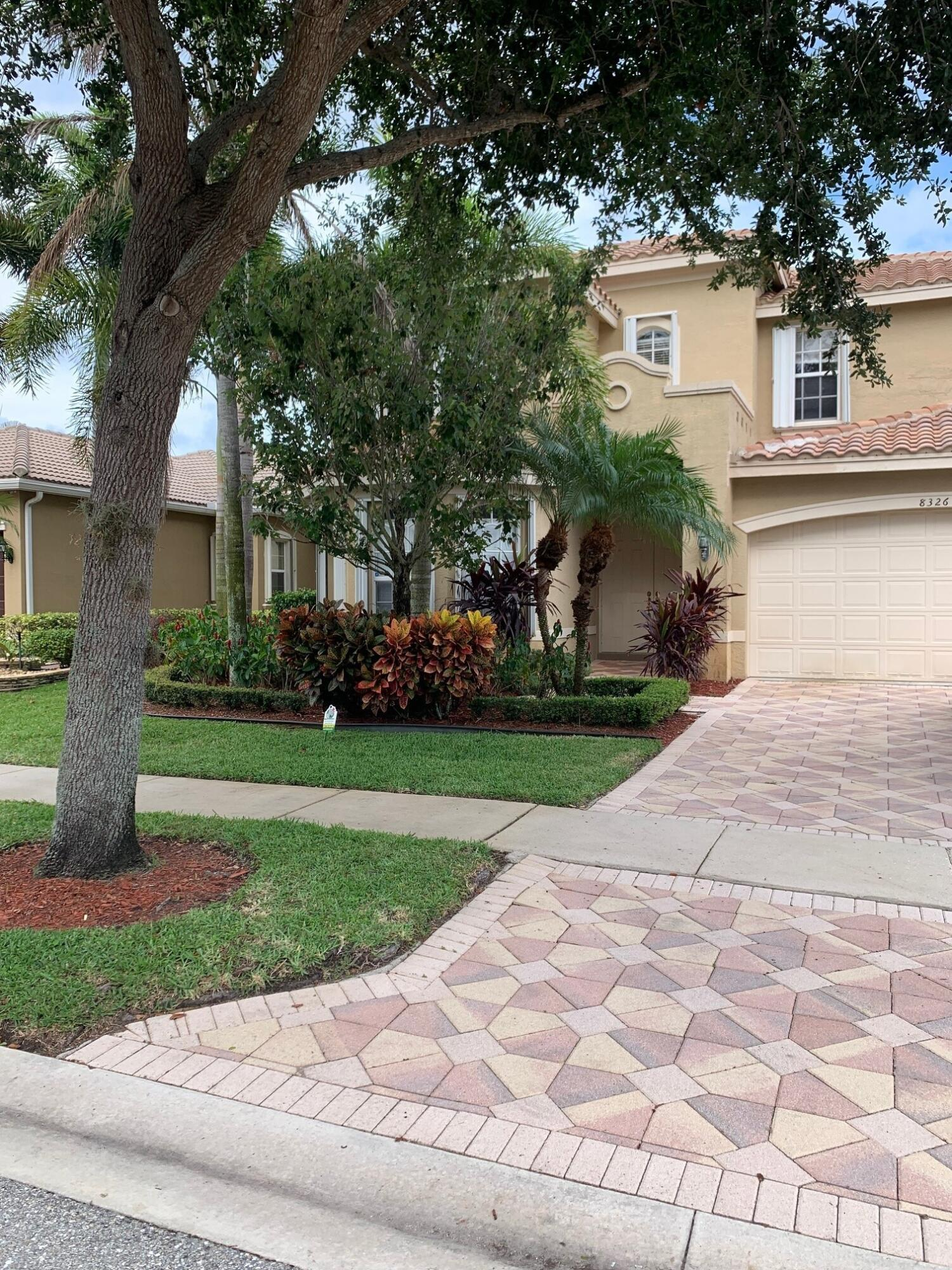 8326  Emerald Winds Circle  For Sale 10723692, FL