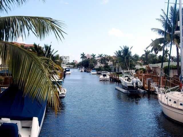 Photo of 748 NE 72nd Street, Boca Raton, FL 33487