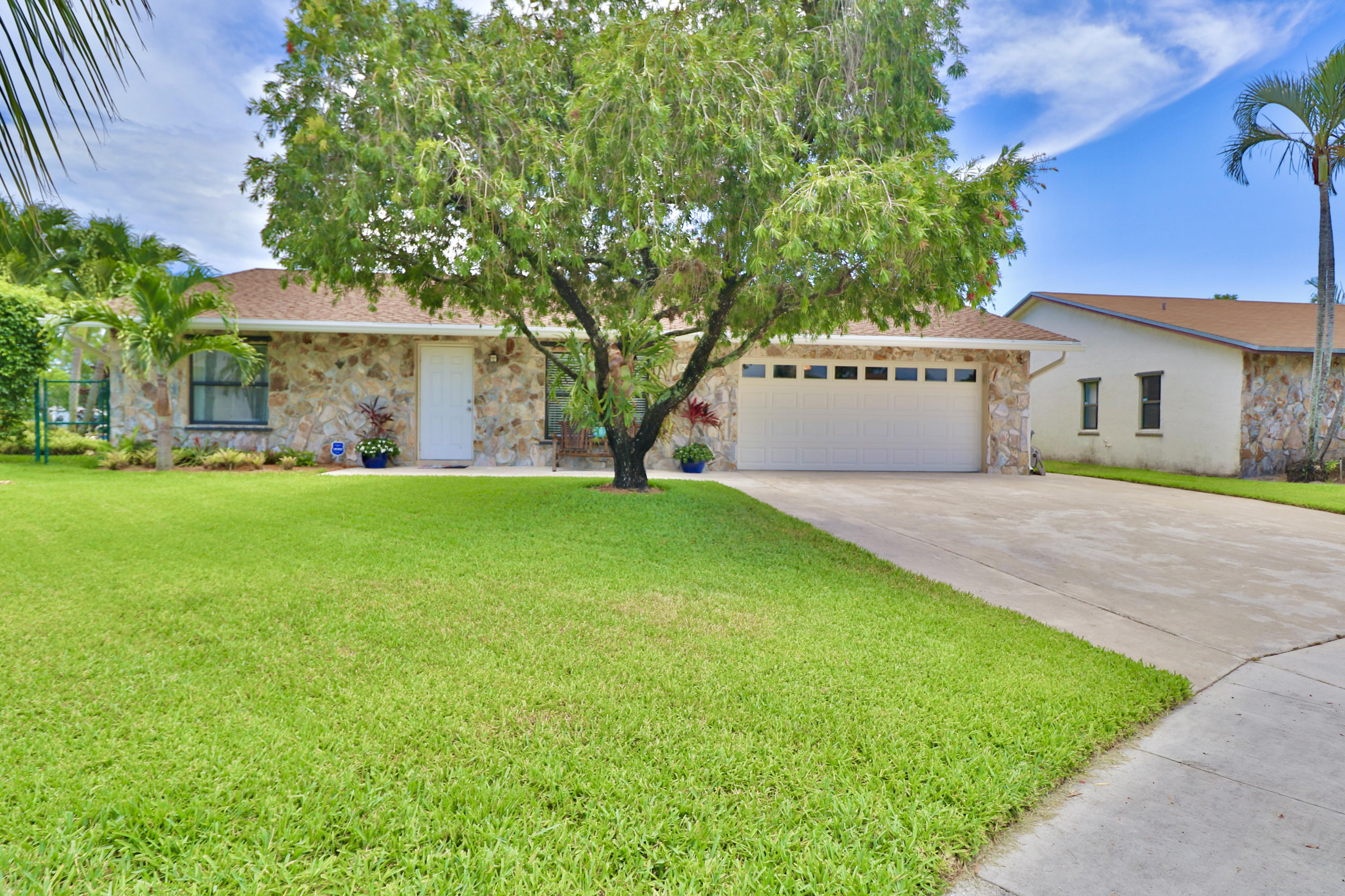 Home for sale in HOMES OF LEES CROSSING PL 5 Lake Worth Florida