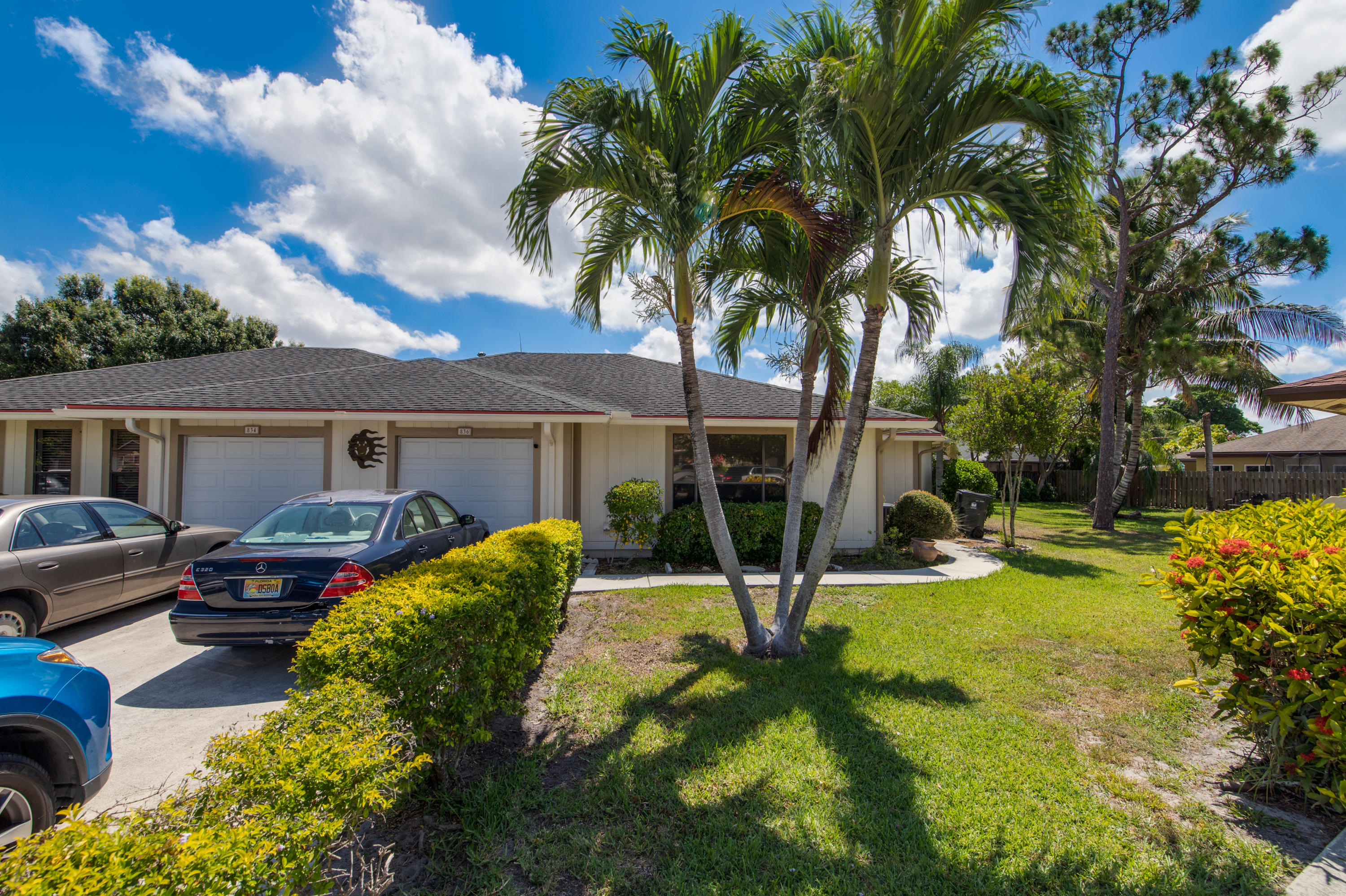 834  Peppertree Court  For Sale 10723800, FL