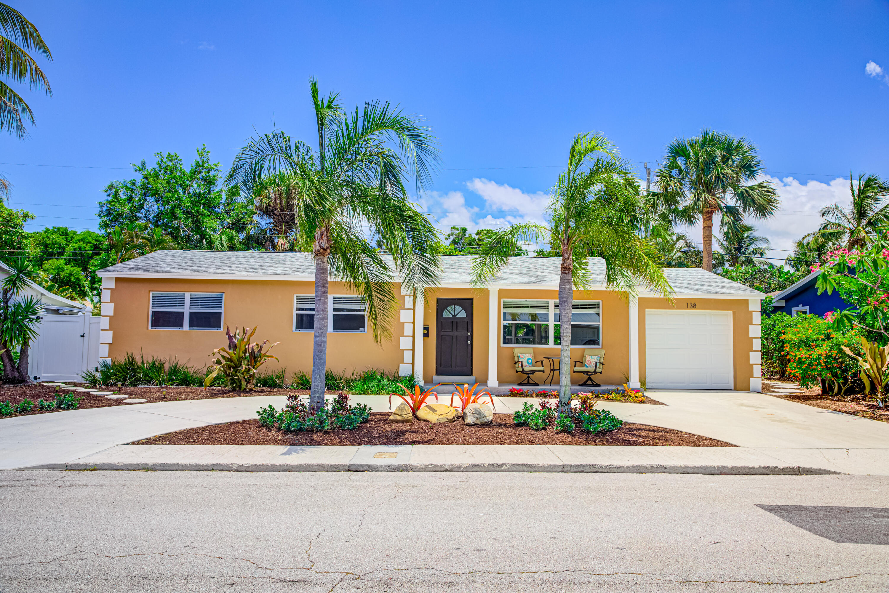 138  Gregory Place  For Sale 10723911, FL