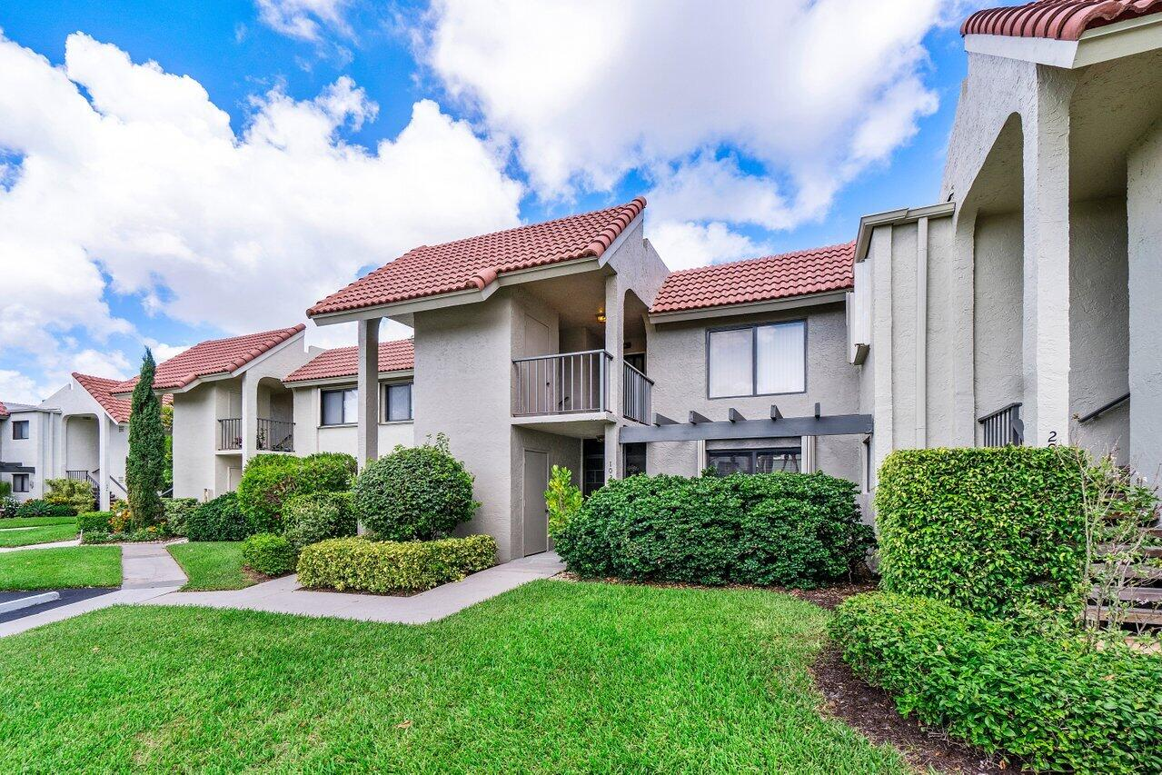 5617  Fairway Park Drive 102 For Sale 10723857, FL