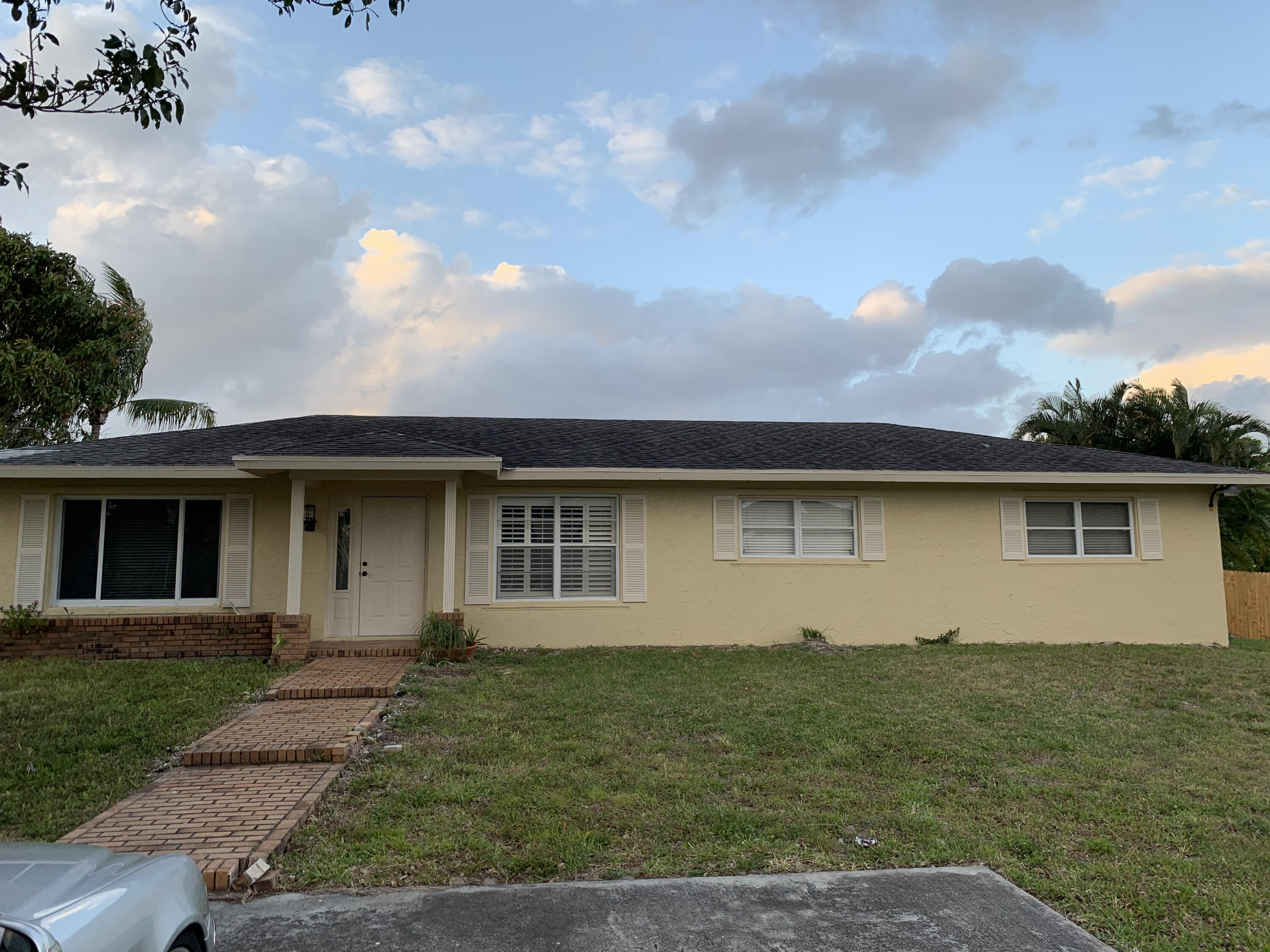7086  Lawrence Road  For Sale 10723862, FL